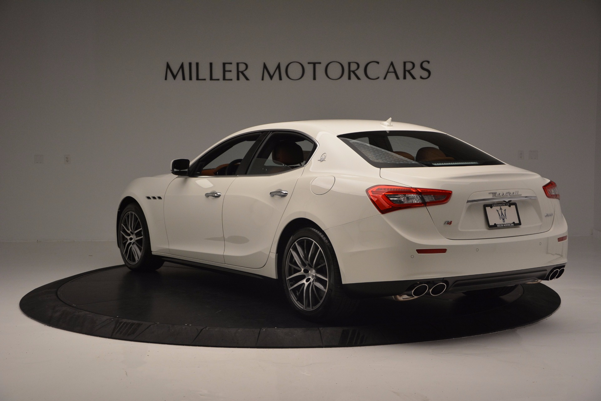 Used 2017 Maserati Ghibli S Q4 Ex-Loaner For Sale In Greenwich, CT. Alfa Romeo of Greenwich, M1721 1166_p5