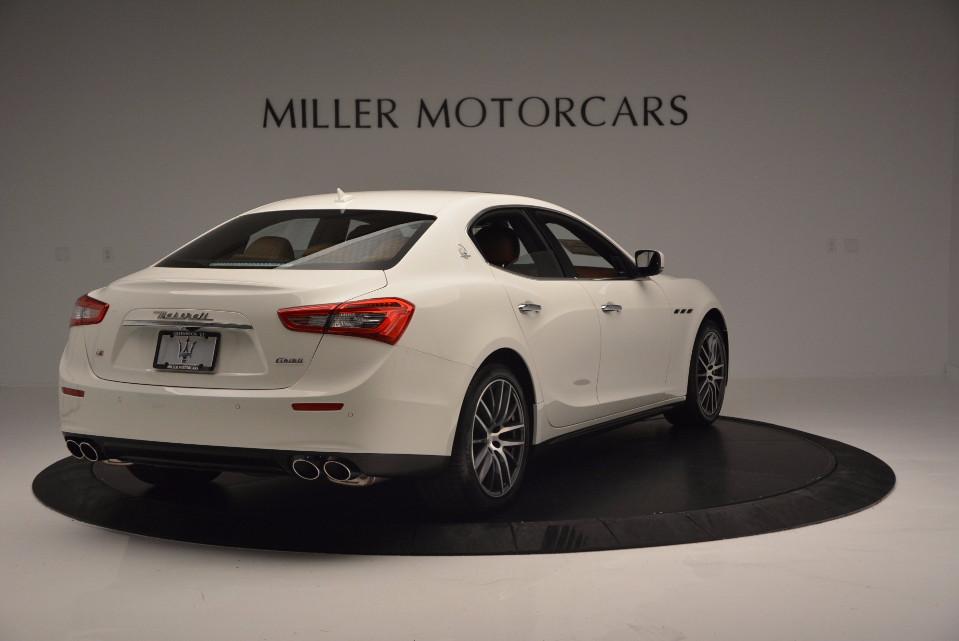 Used 2017 Maserati Ghibli S Q4 Ex-Loaner For Sale In Greenwich, CT. Alfa Romeo of Greenwich, M1721 1166_p7