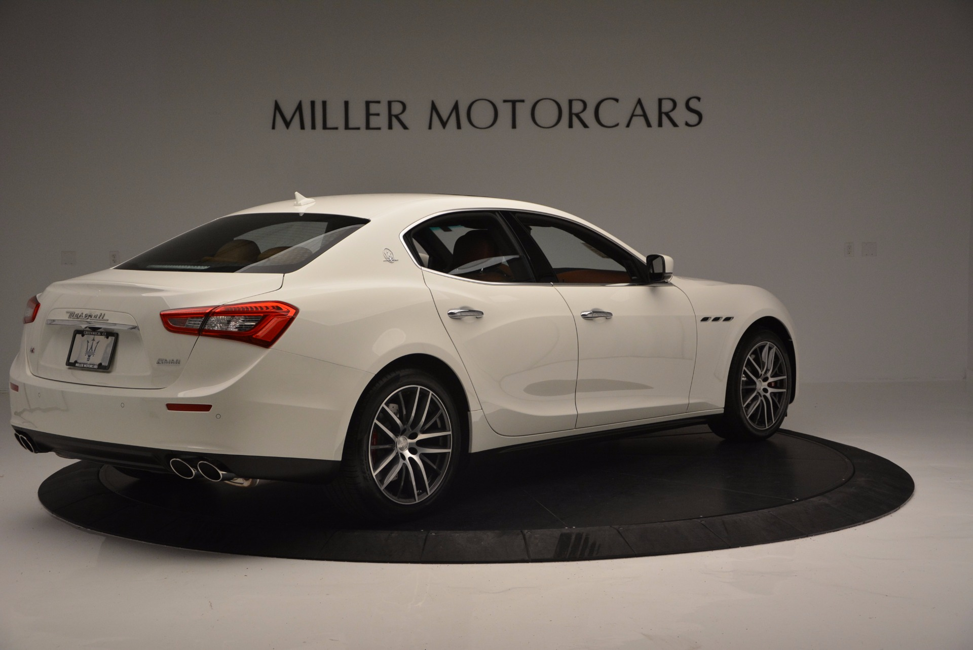 Used 2017 Maserati Ghibli S Q4 Ex-Loaner For Sale In Greenwich, CT. Alfa Romeo of Greenwich, M1721 1166_p8