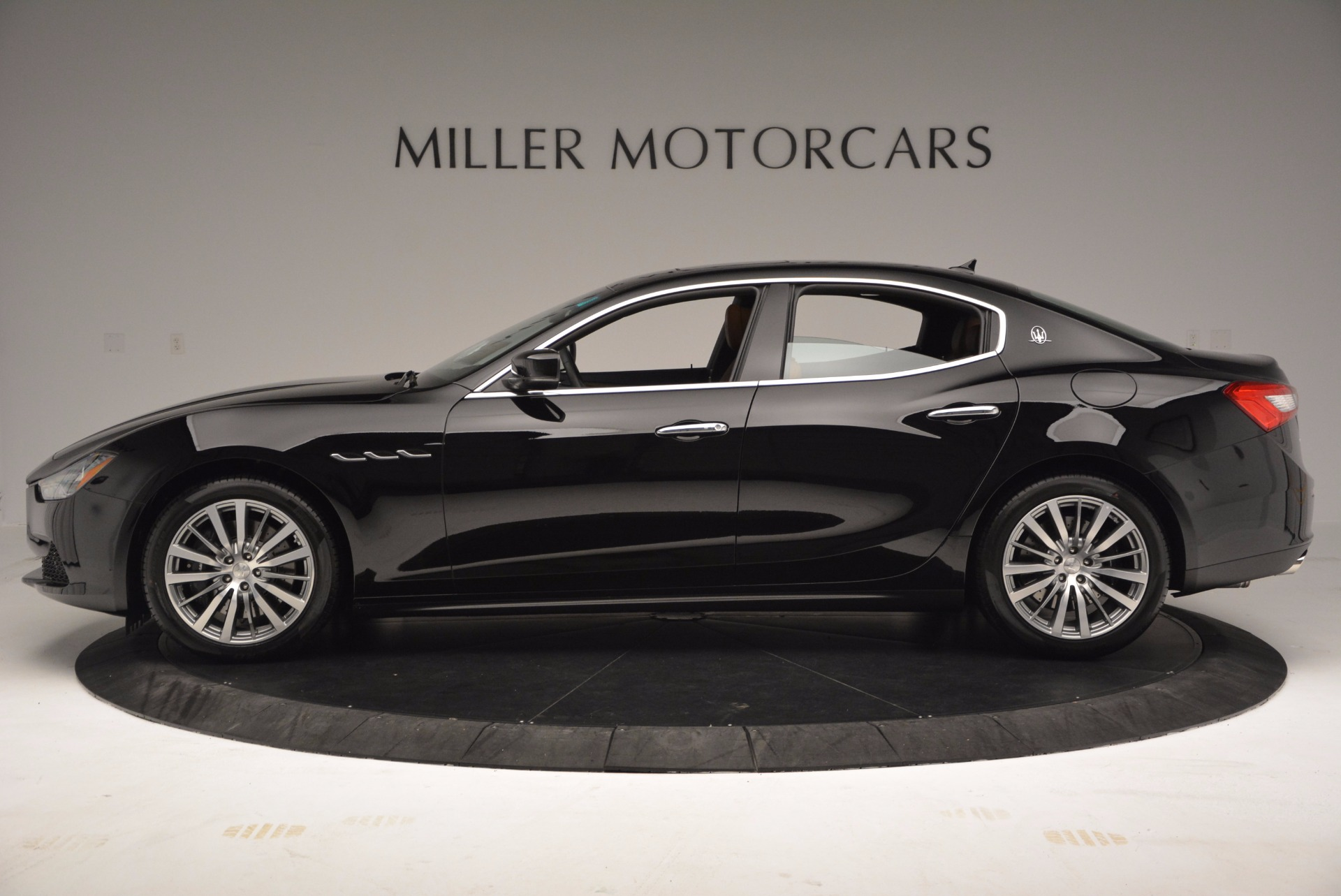 Used 2017 Maserati Ghibli SQ4 S Q4 Ex-Loaner For Sale In Greenwich, CT. Alfa Romeo of Greenwich, M1724 1168_p3