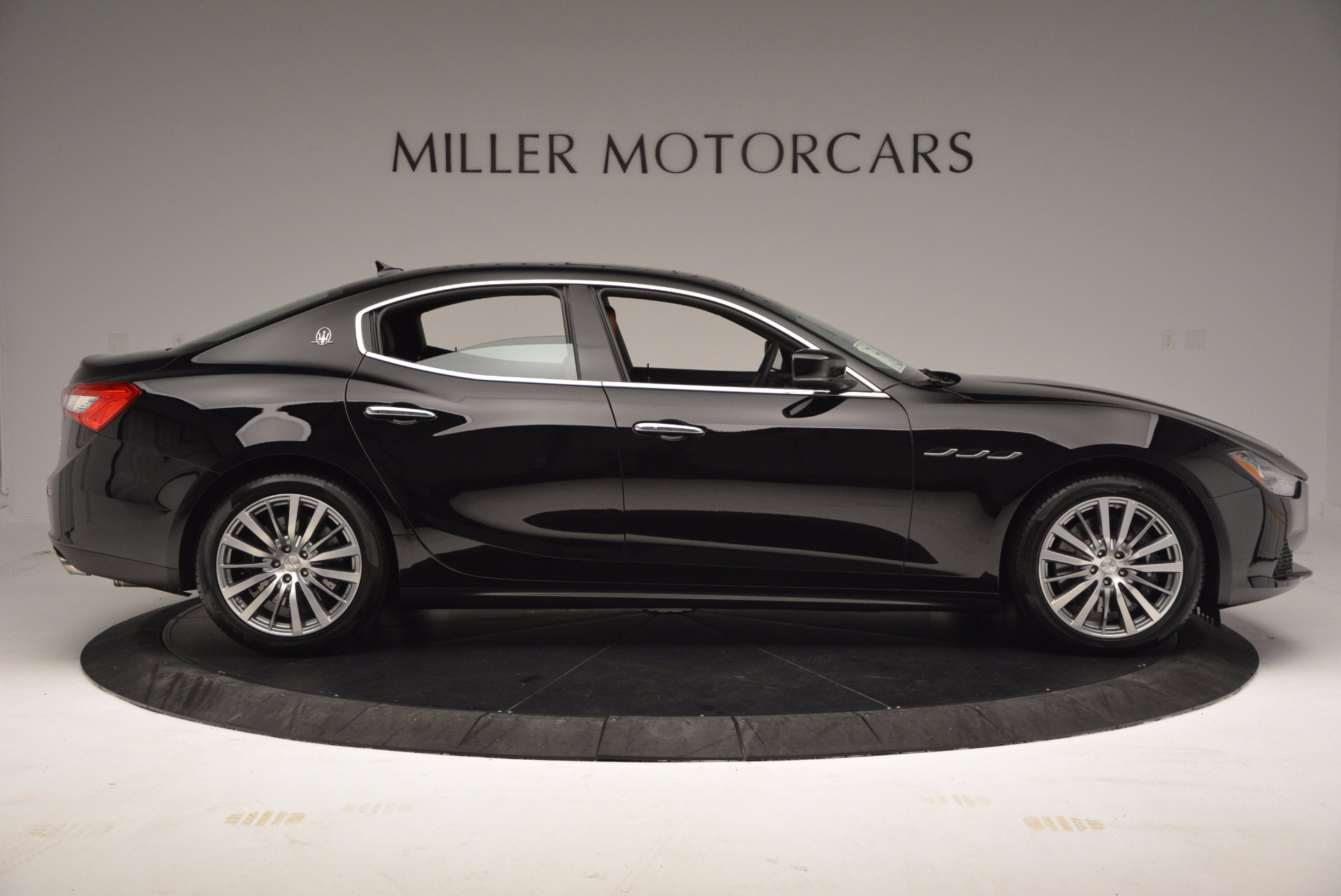Used 2017 Maserati Ghibli SQ4 S Q4 Ex-Loaner For Sale In Greenwich, CT. Alfa Romeo of Greenwich, M1724 1168_p9