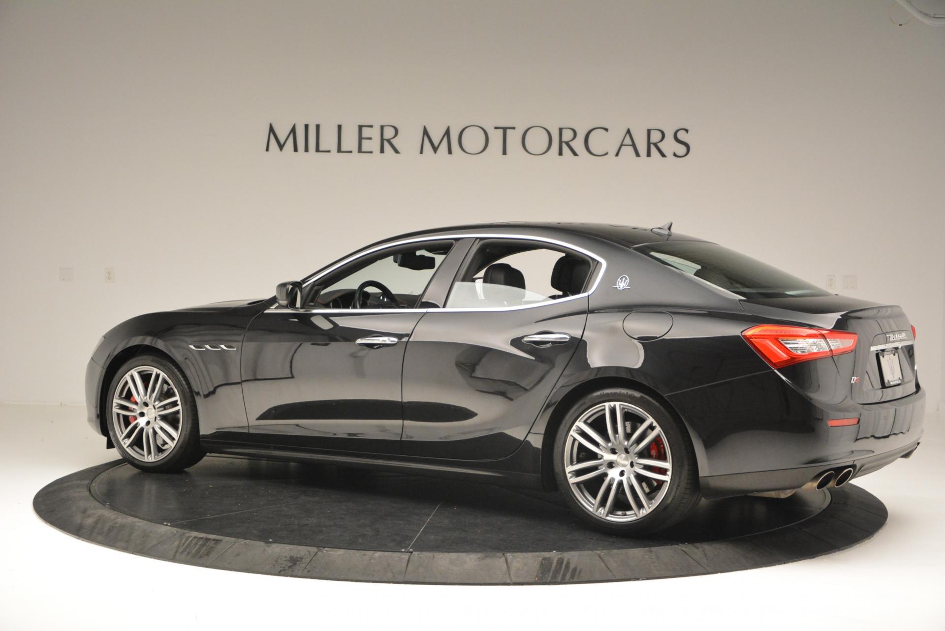 Used 2015 Maserati Ghibli S Q4 For Sale In Greenwich, CT. Alfa Romeo of Greenwich, M1609A 117_p3