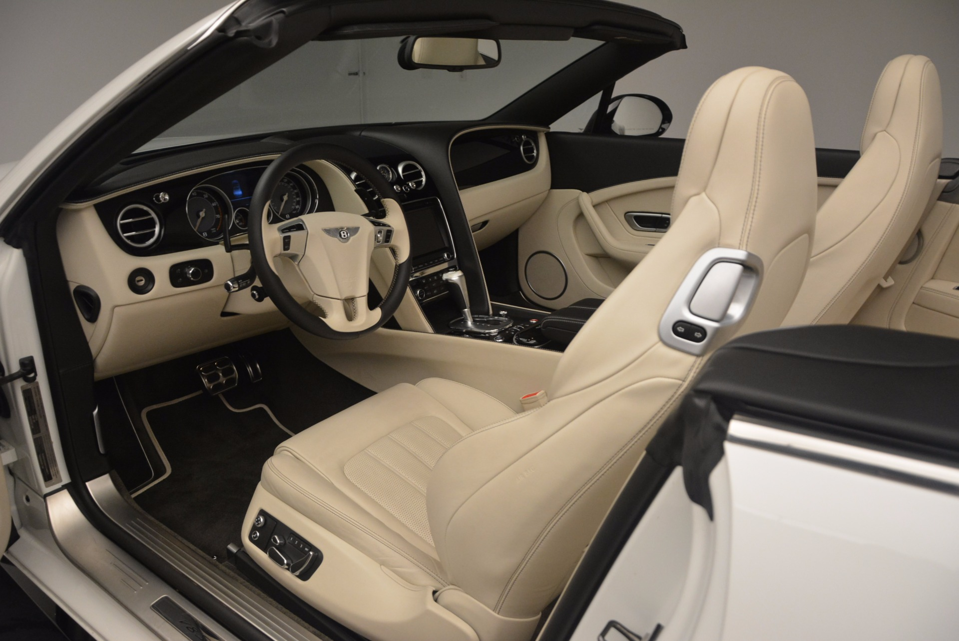 Used 2015 Bentley Continental GT V8 S For Sale In Greenwich, CT. Alfa Romeo of Greenwich, 7207 1175_p34