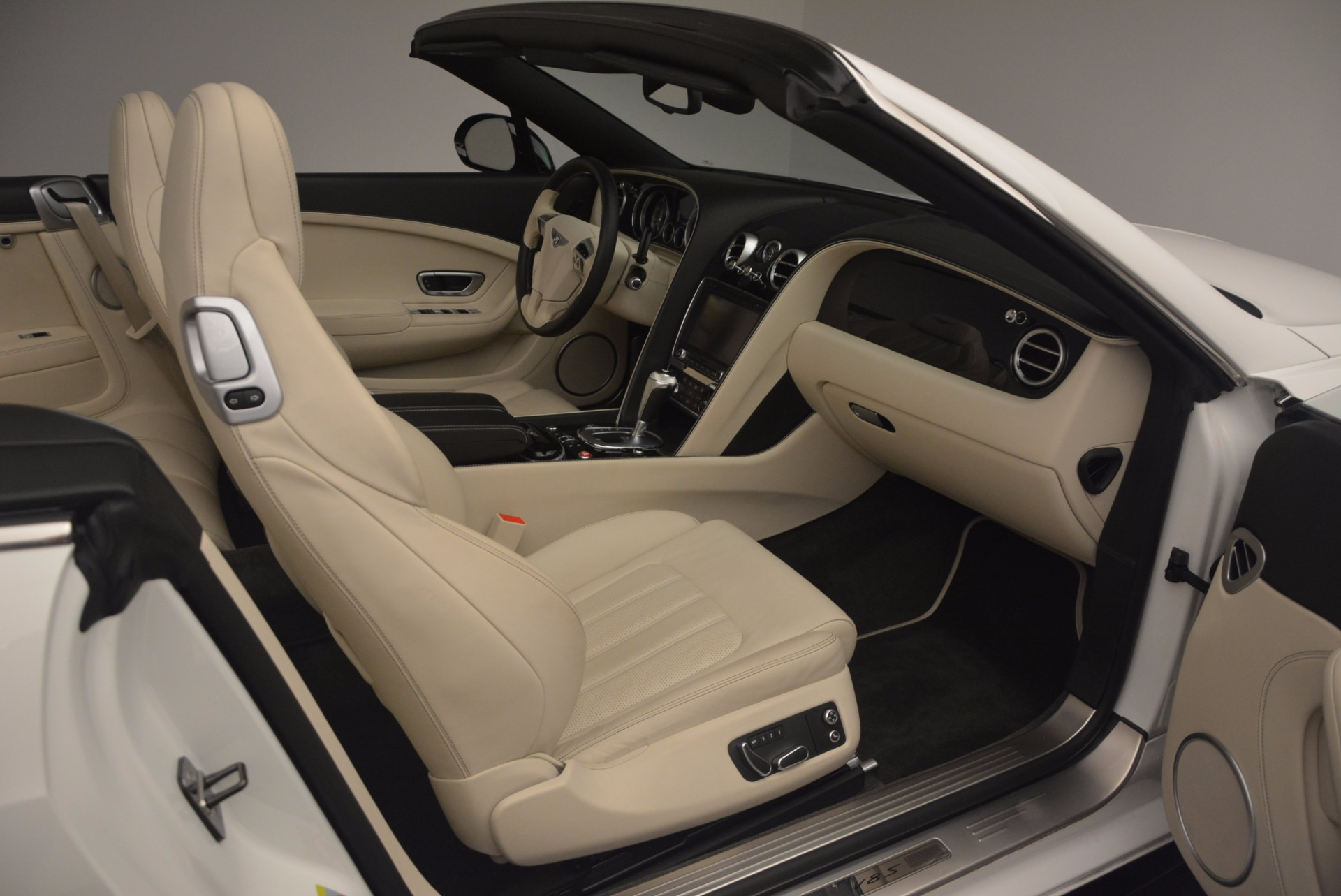 Used 2015 Bentley Continental GT V8 S For Sale In Greenwich, CT. Alfa Romeo of Greenwich, 7207 1175_p51