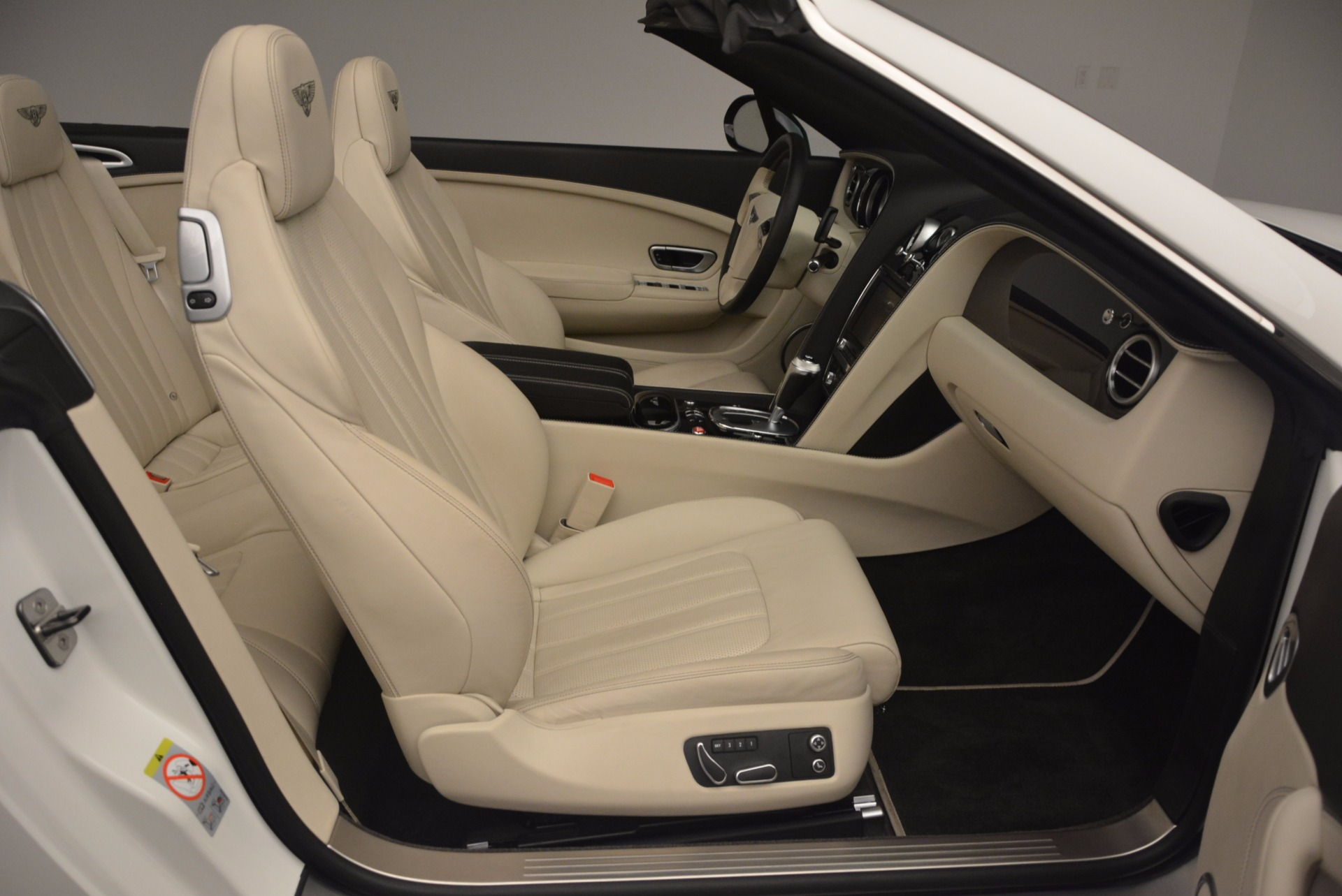 Used 2015 Bentley Continental GT V8 S For Sale In Greenwich, CT. Alfa Romeo of Greenwich, 7207 1175_p52
