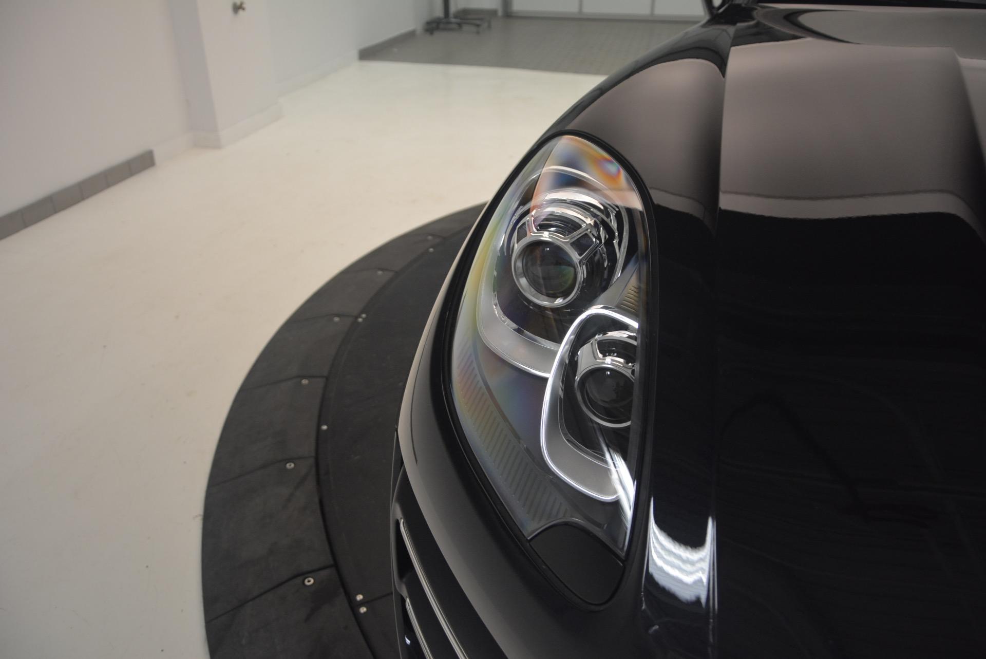 Used 2016 Porsche Macan Turbo For Sale In Greenwich, CT. Alfa Romeo of Greenwich, L083A 1177_p13