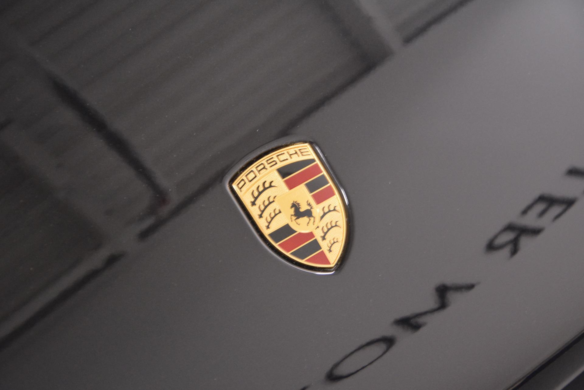 Used 2016 Porsche Macan Turbo For Sale In Greenwich, CT. Alfa Romeo of Greenwich, L083A 1177_p15