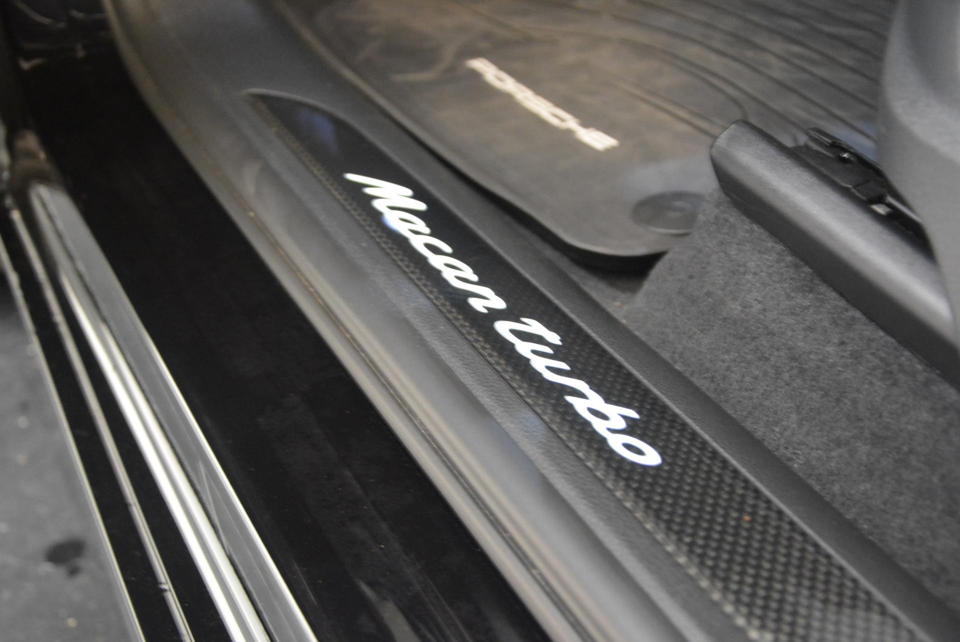 Used 2016 Porsche Macan Turbo For Sale In Greenwich, CT. Alfa Romeo of Greenwich, L083A 1177_p23