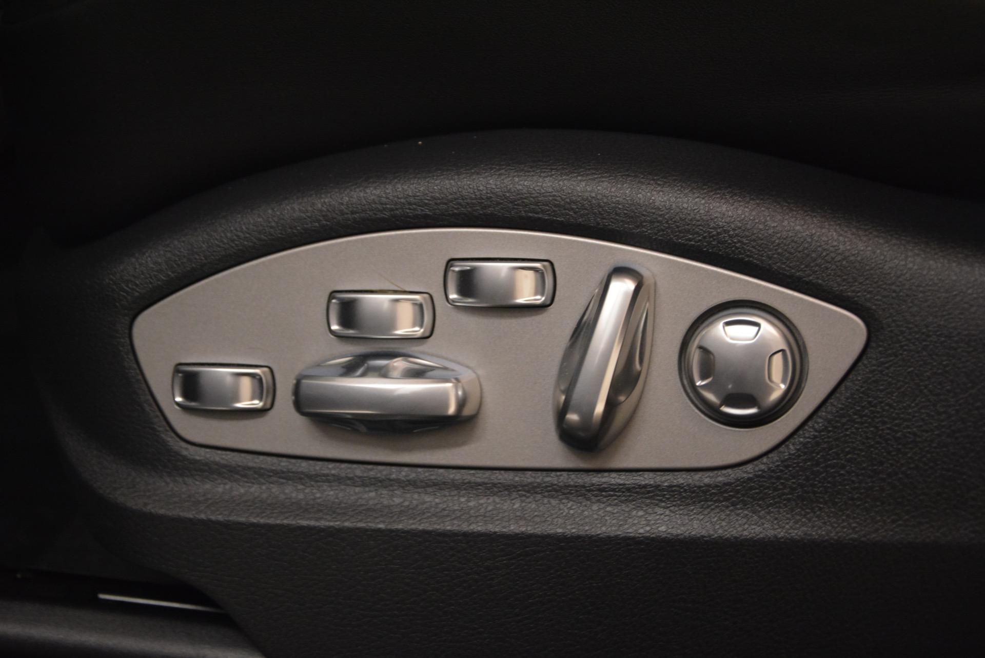Used 2016 Porsche Macan Turbo For Sale In Greenwich, CT. Alfa Romeo of Greenwich, L083A 1177_p27