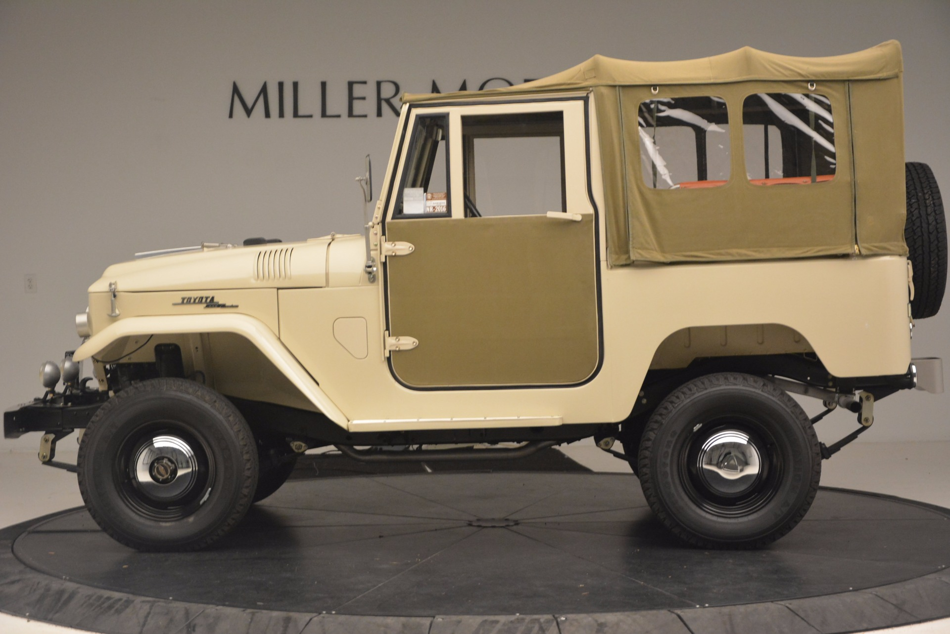 Used 1966 Toyota FJ40 Land Cruiser Land Cruiser For Sale In Greenwich, CT. Alfa Romeo of Greenwich, 11123 1179_p4