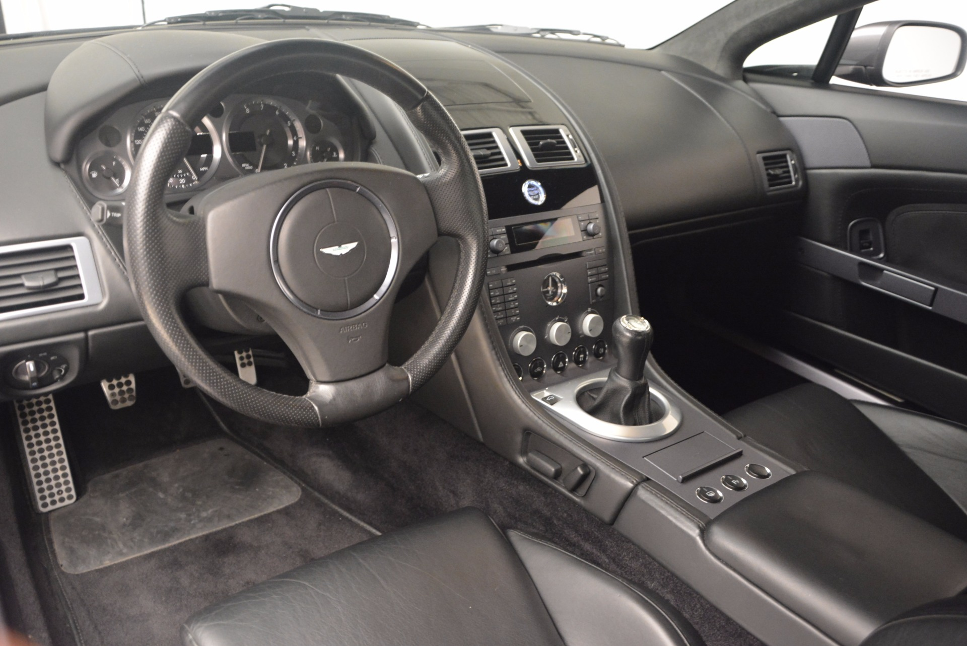 Used 2006 Aston Martin V8 Vantage Coupe  For Sale In Greenwich, CT. Alfa Romeo of Greenwich, A1215A 1180_p14