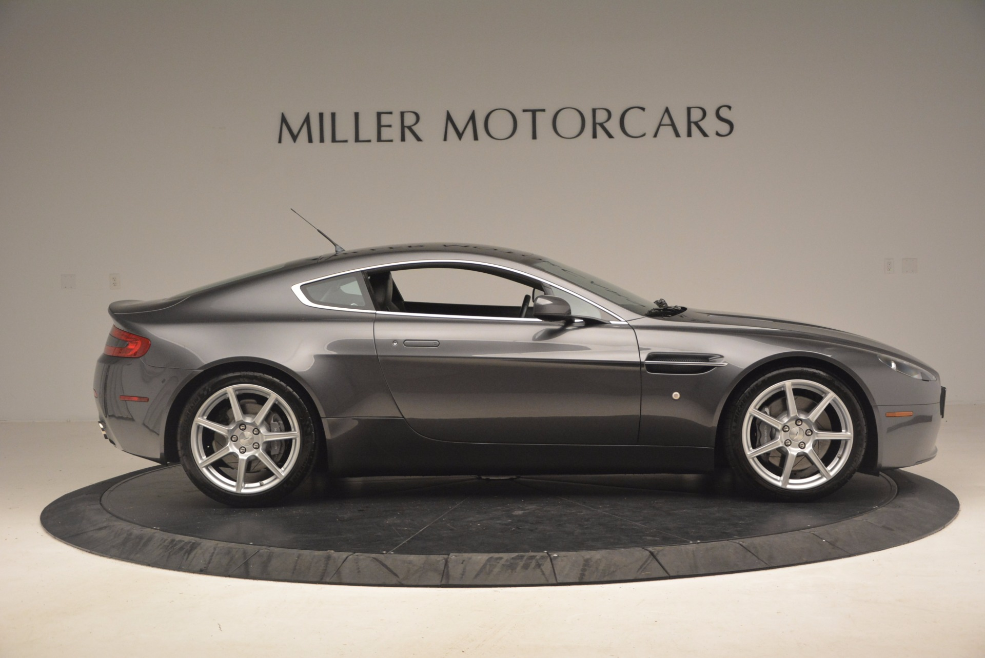 Used 2006 Aston Martin V8 Vantage Coupe  For Sale In Greenwich, CT. Alfa Romeo of Greenwich, A1215A 1180_p9