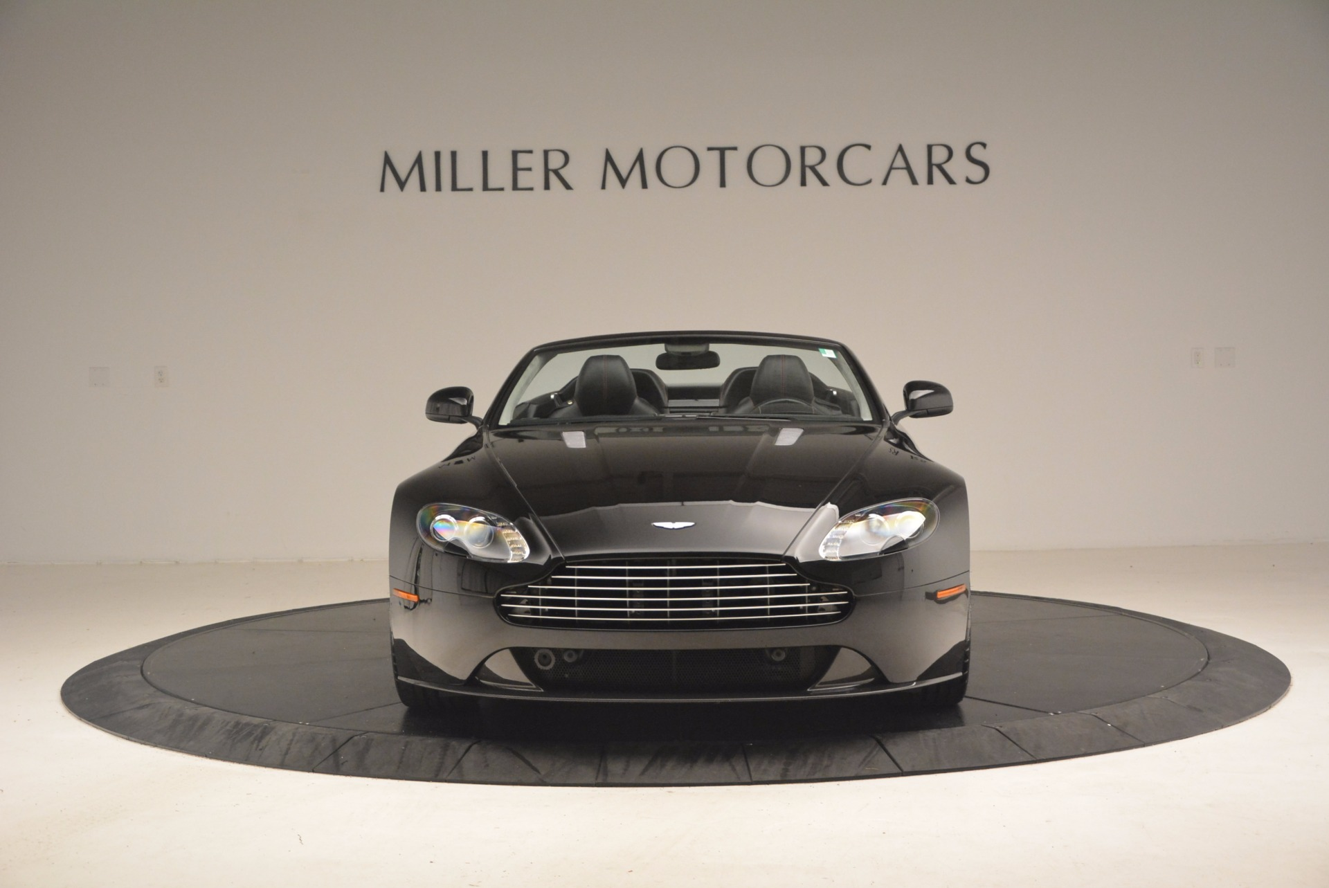 Used 2012 Aston Martin V8 Vantage S Roadster For Sale In Greenwich, CT. Alfa Romeo of Greenwich, 4328A 1181_p12