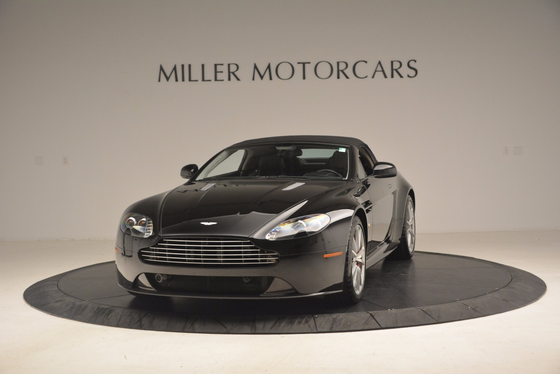Used 2012 Aston Martin V8 Vantage S Roadster For Sale In Greenwich, CT. Alfa Romeo of Greenwich, 4328A 1181_p13