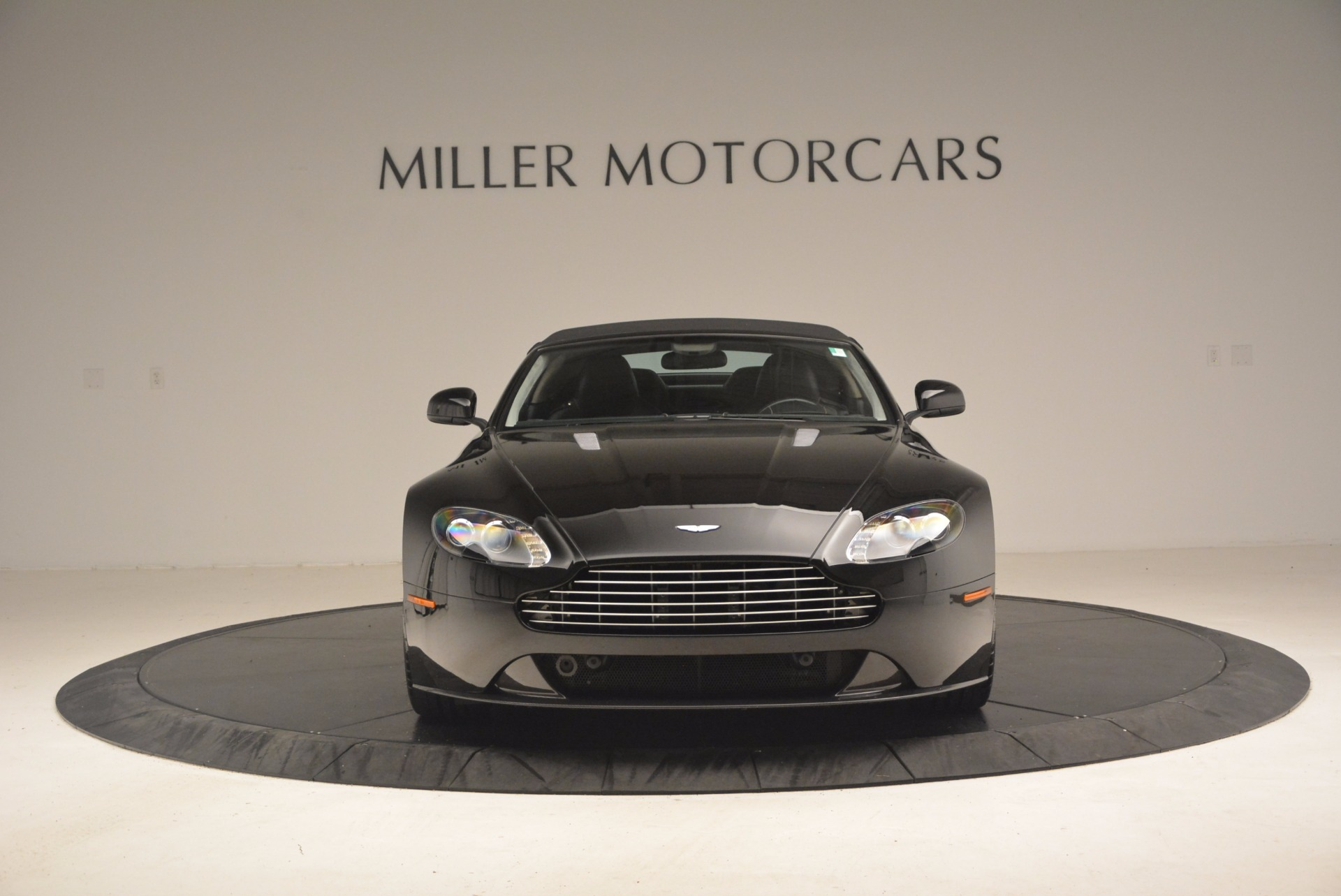 Used 2012 Aston Martin V8 Vantage S Roadster For Sale In Greenwich, CT. Alfa Romeo of Greenwich, 4328A 1181_p24