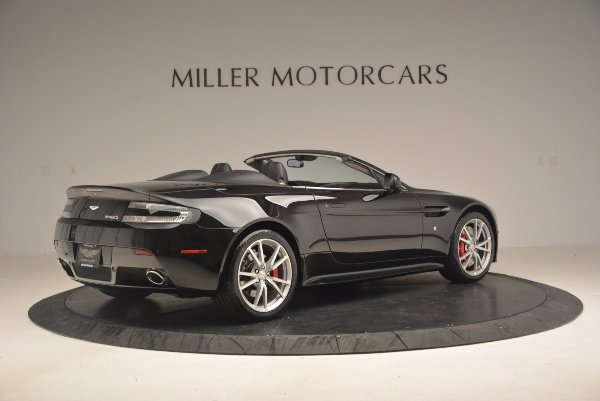 Used 2012 Aston Martin V8 Vantage S Roadster For Sale In Greenwich, CT. Alfa Romeo of Greenwich, 4328A 1181_p8