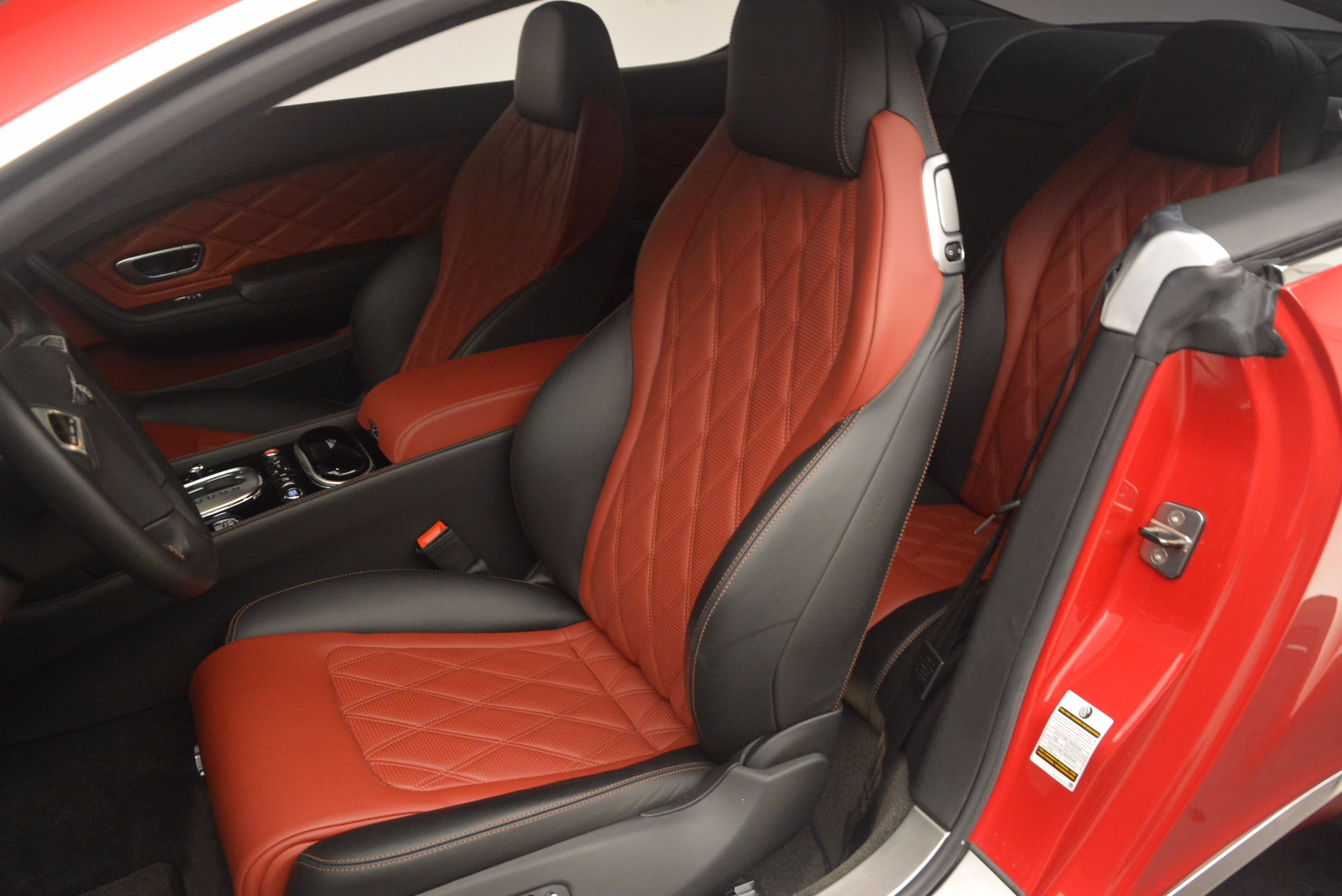 Used 2013 Bentley Continental GT V8 For Sale In Greenwich, CT. Alfa Romeo of Greenwich, 4371A 1185_p20