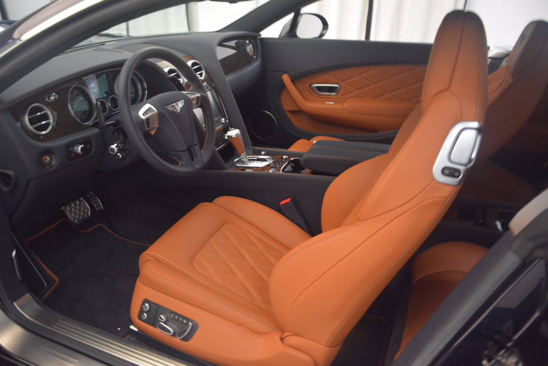 Used 2014 Bentley Continental GT V8 For Sale In Greenwich, CT. Alfa Romeo of Greenwich, 7213 1187_p18