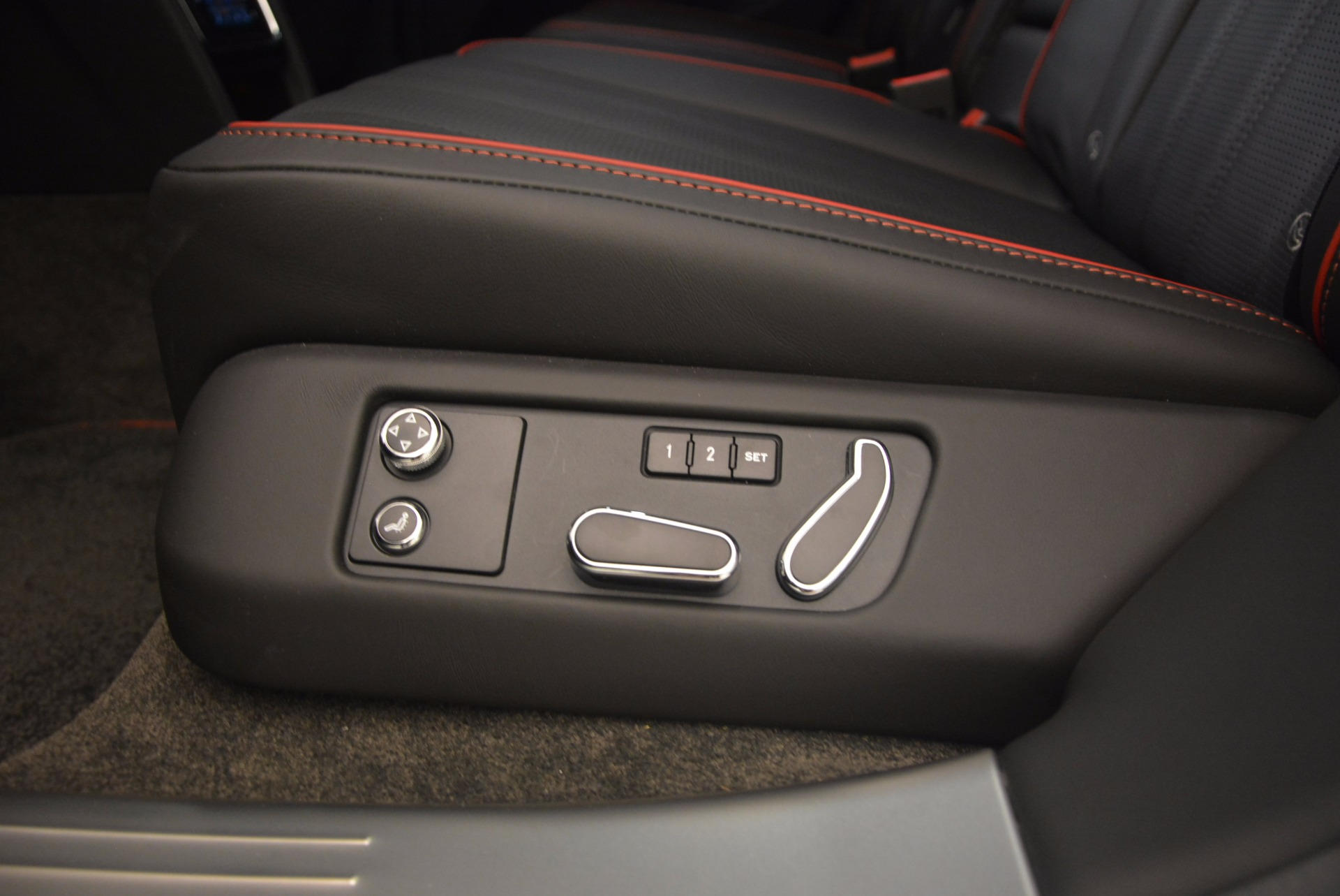 Used 2015 Bentley Flying Spur V8 For Sale In Greenwich, CT. Alfa Romeo of Greenwich, 7214 1199_p39