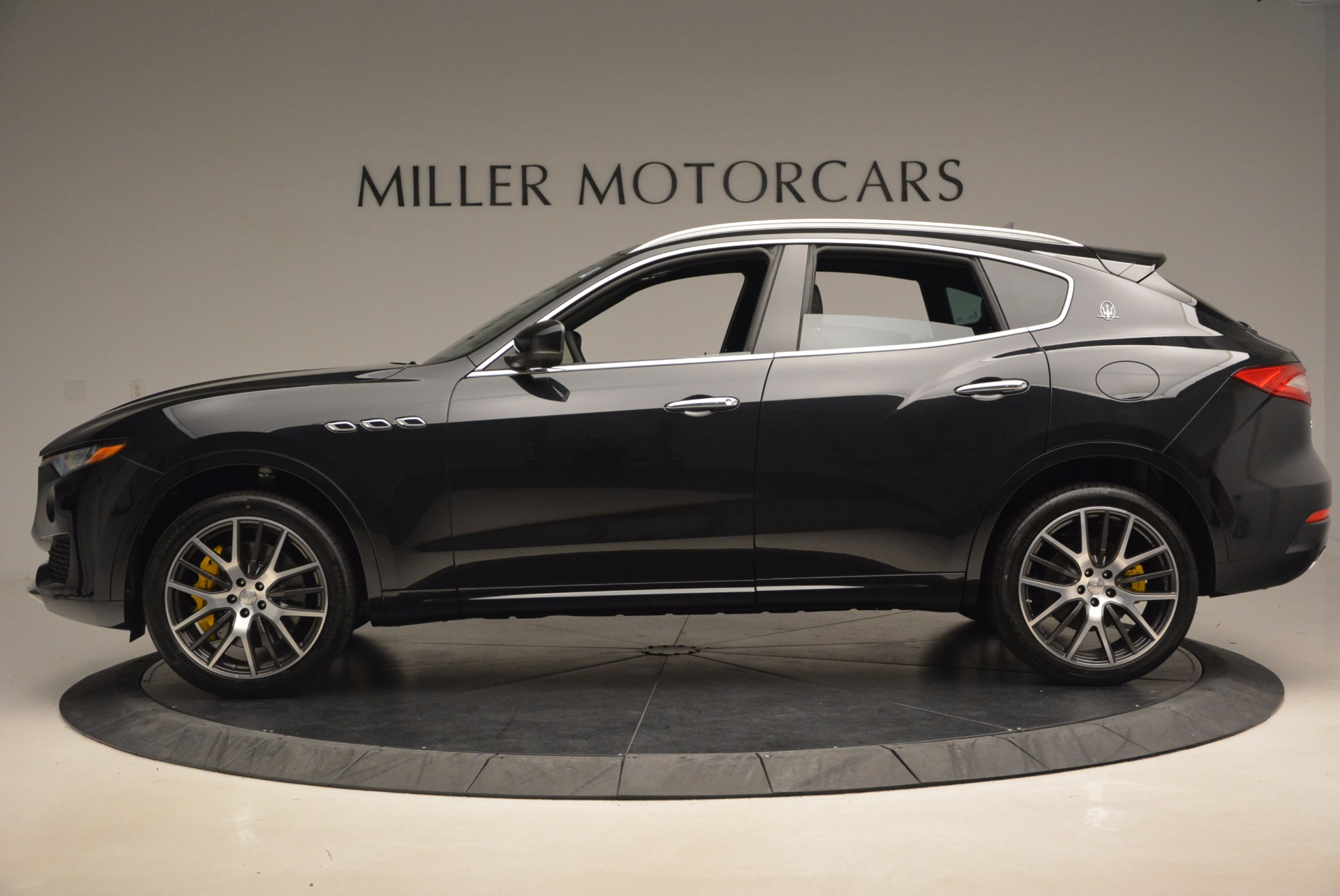 New 2017 Maserati Levante S For Sale In Greenwich, CT. Alfa Romeo of Greenwich, W460 1215_p3