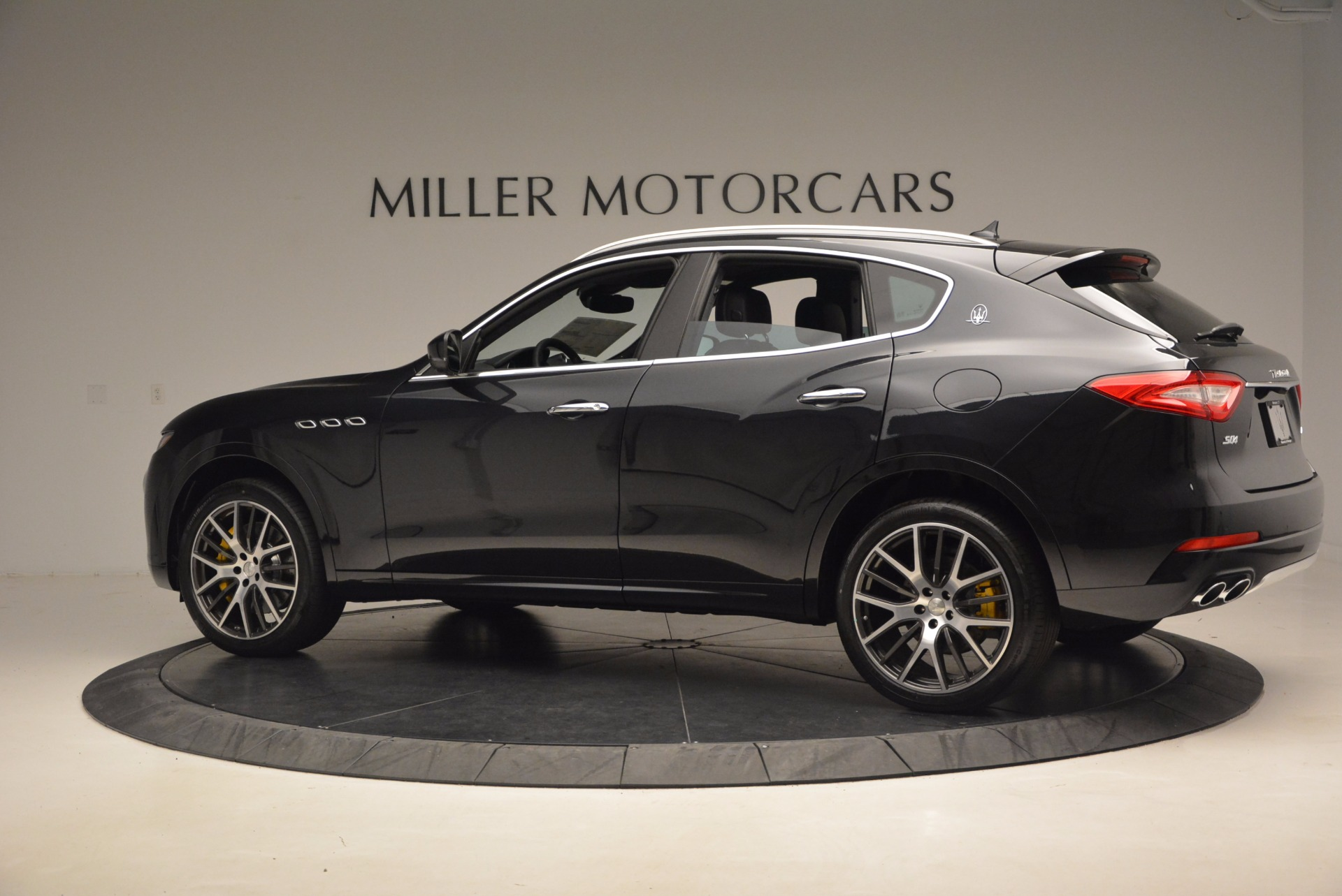 New 2017 Maserati Levante S For Sale In Greenwich, CT. Alfa Romeo of Greenwich, W460 1215_p4