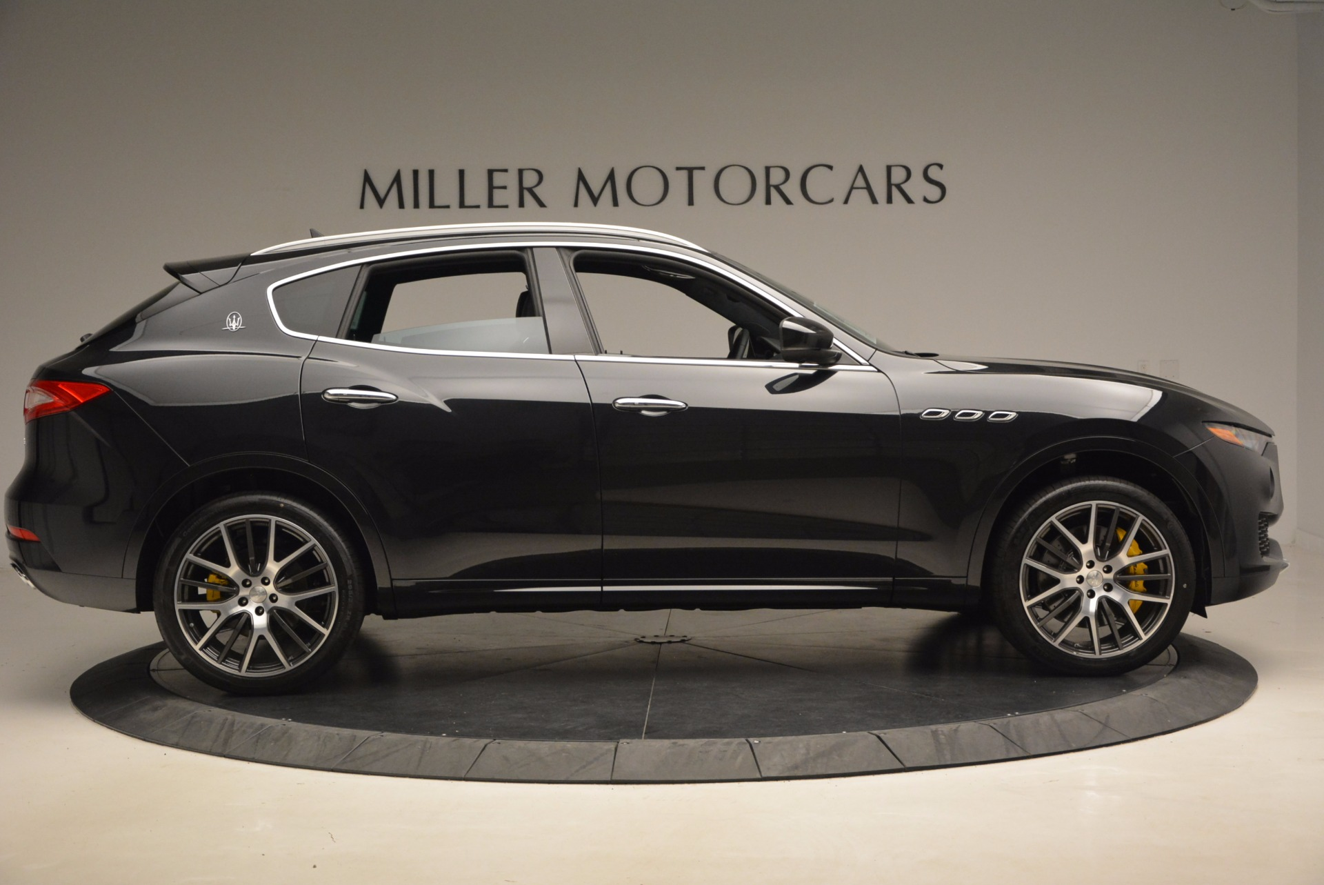 New 2017 Maserati Levante S For Sale In Greenwich, CT. Alfa Romeo of Greenwich, W460 1215_p9