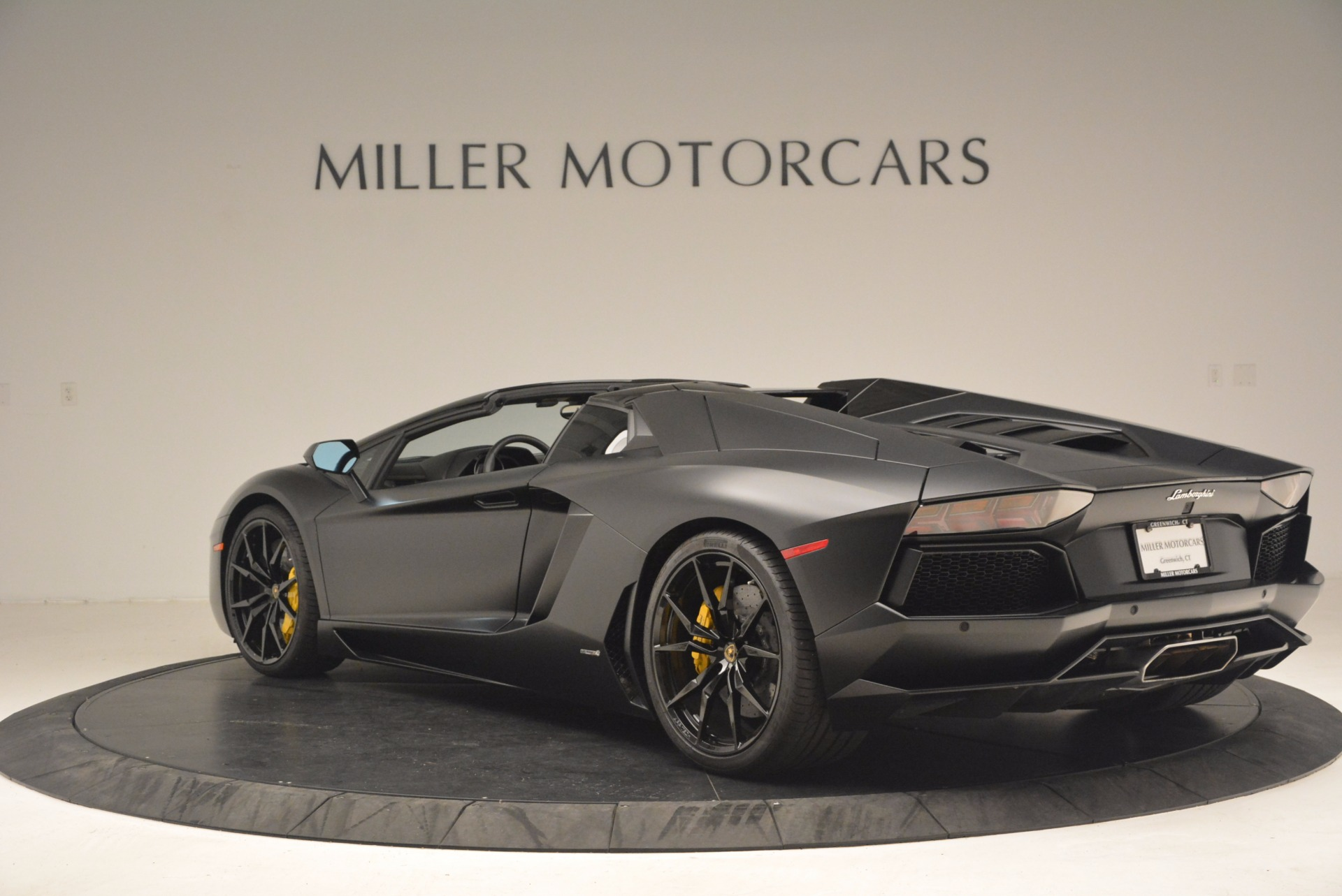 Used 2015 Lamborghini Aventador LP 700-4 For Sale In Greenwich, CT. Alfa Romeo of Greenwich, R404A 1217_p5