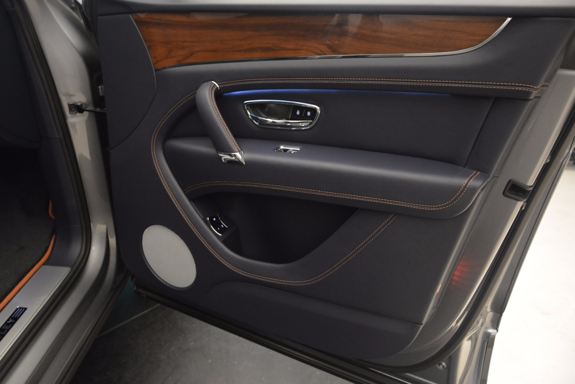 New 2018 Bentley Bentayga Onyx For Sale In Greenwich, CT. Alfa Romeo of Greenwich, B1256 1220_p37