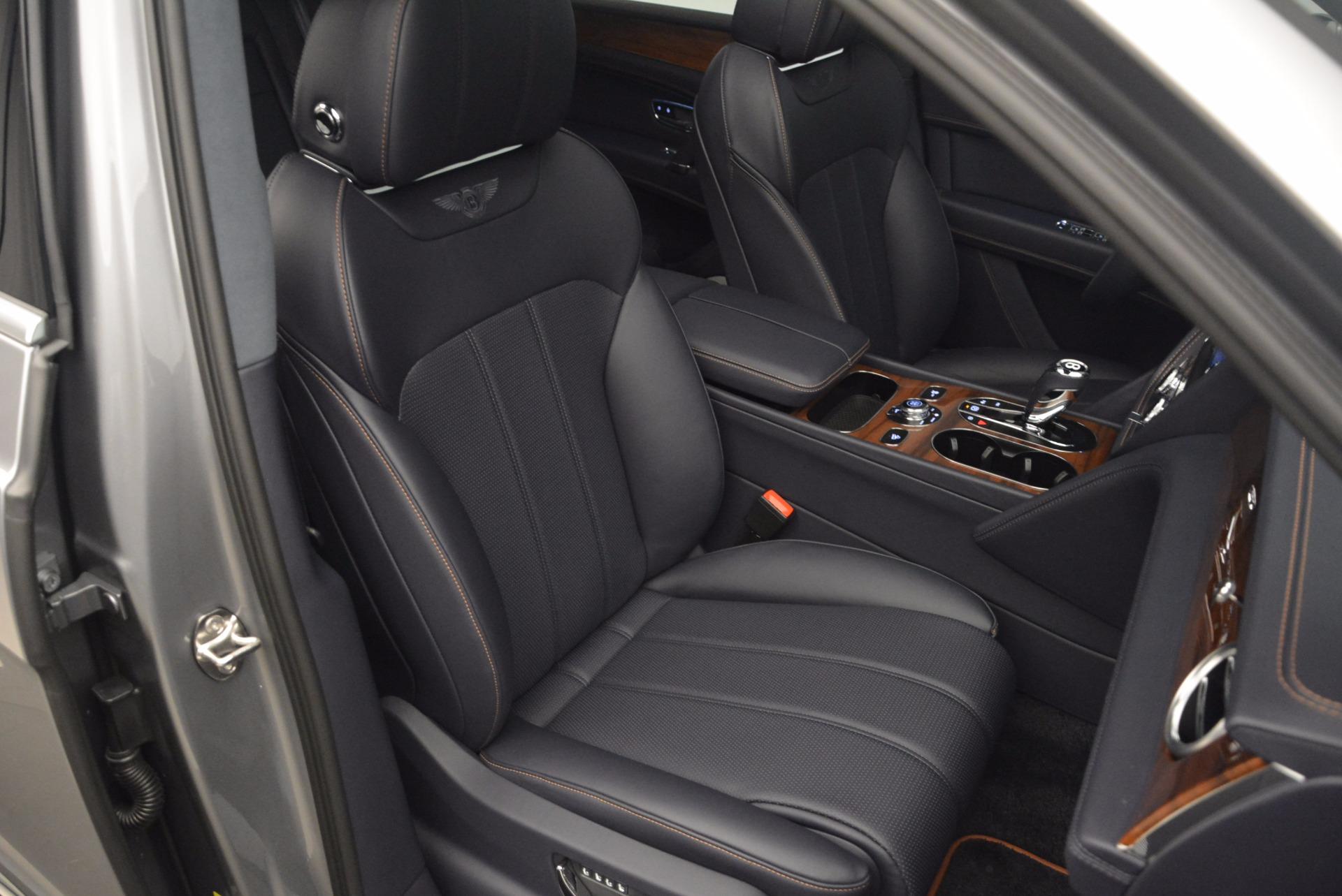 New 2018 Bentley Bentayga Onyx For Sale In Greenwich, CT. Alfa Romeo of Greenwich, B1256 1220_p38