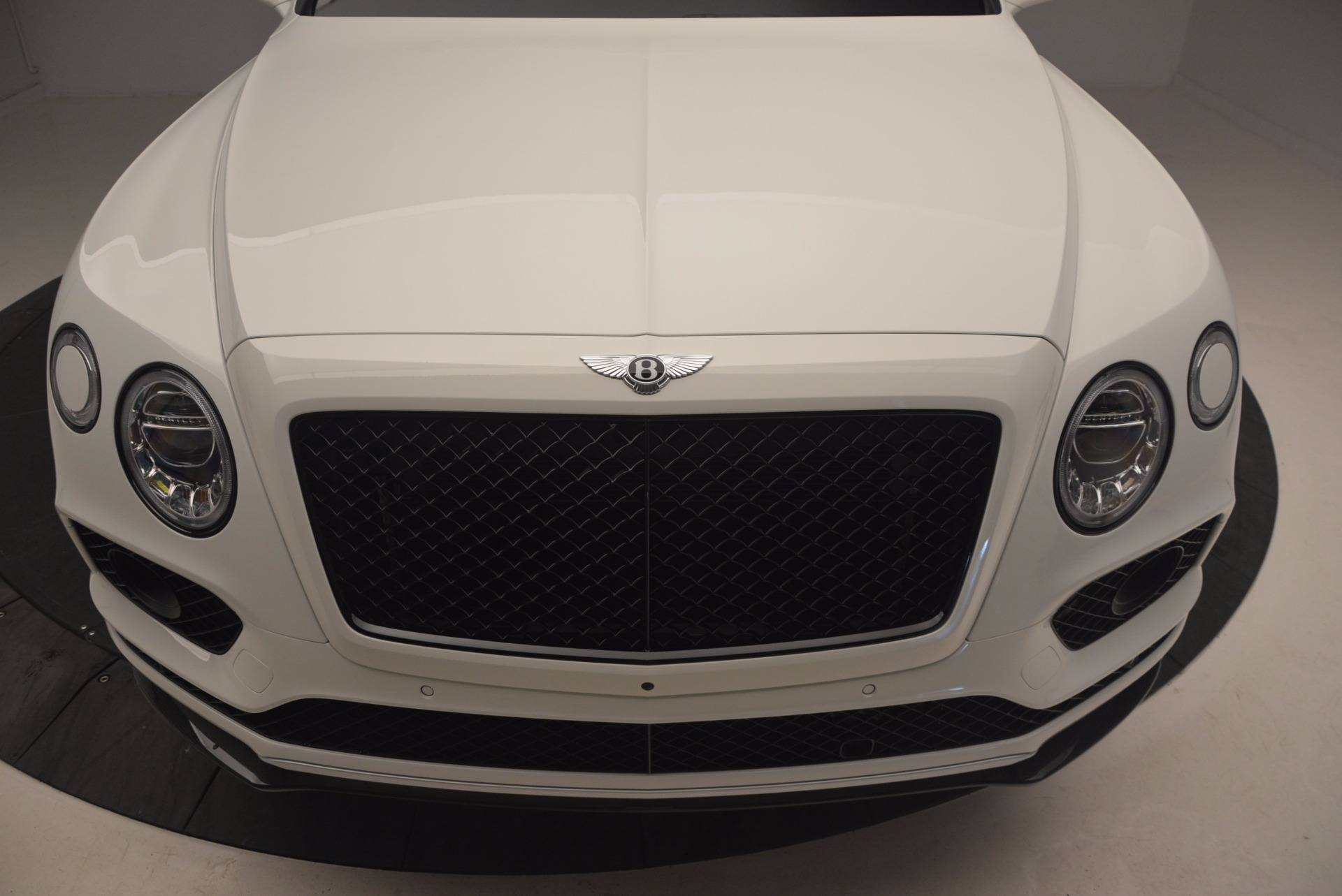 New 2018 Bentley Bentayga Black Edition For Sale In Greenwich, CT. Alfa Romeo of Greenwich, B1265 1221_p13