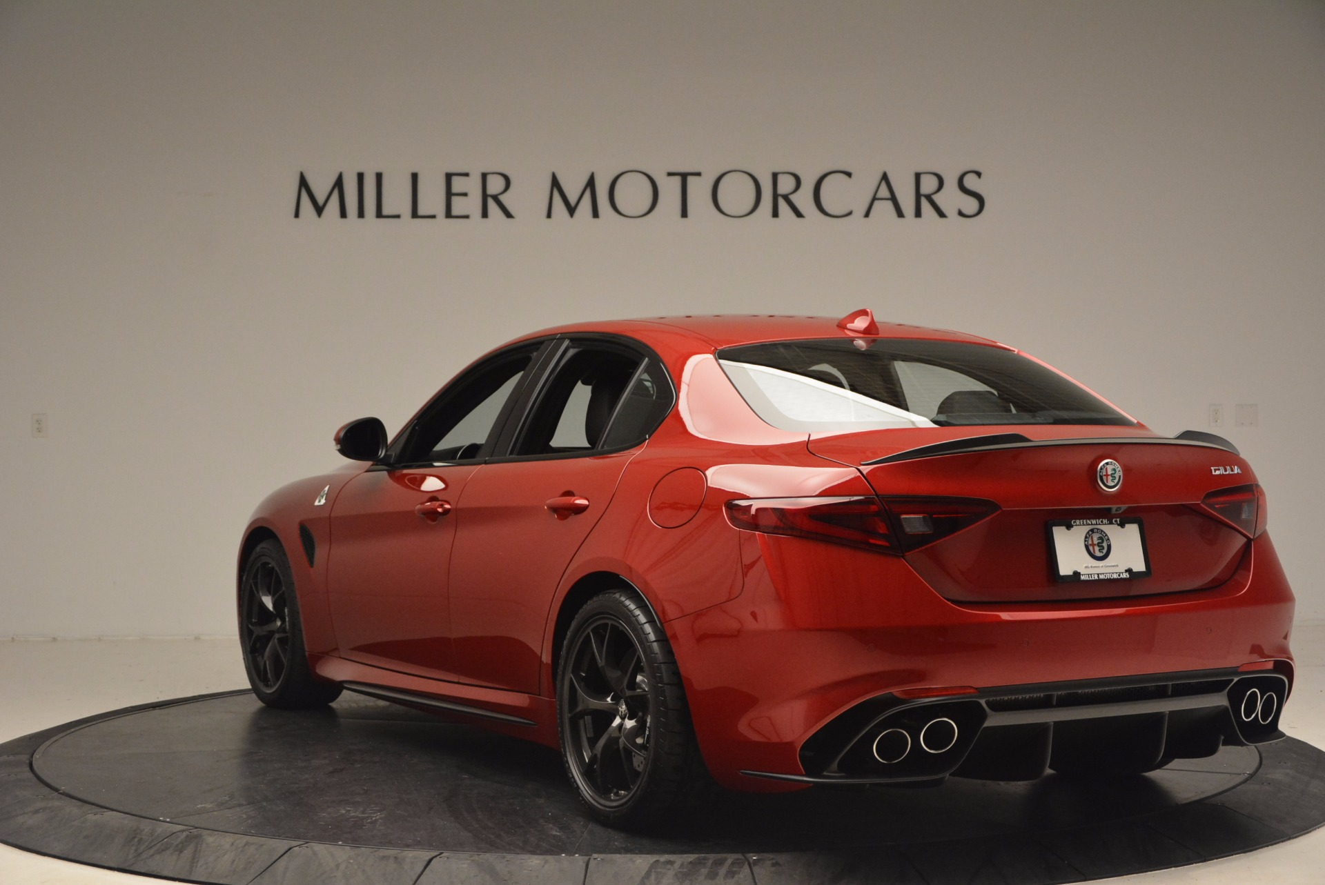 New 2017 Alfa Romeo Giulia Quadrifoglio Quadrifoglio For Sale In Greenwich, CT. Alfa Romeo of Greenwich, L115 1226_p5
