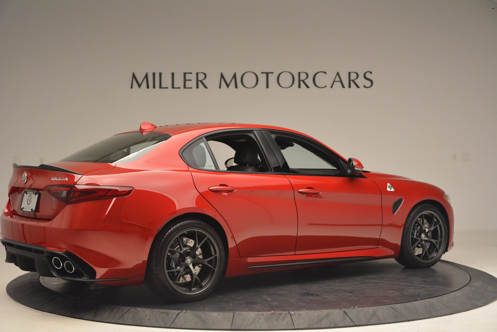 New 2017 Alfa Romeo Giulia Quadrifoglio Quadrifoglio For Sale In Greenwich, CT. Alfa Romeo of Greenwich, L115 1226_p8