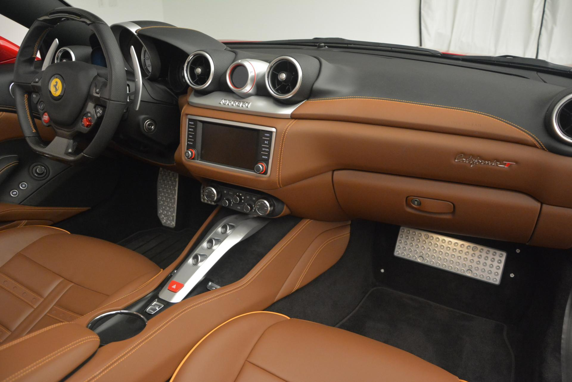 Used 2015 Ferrari California T  For Sale In Greenwich, CT. Alfa Romeo of Greenwich, 4312 123_p30