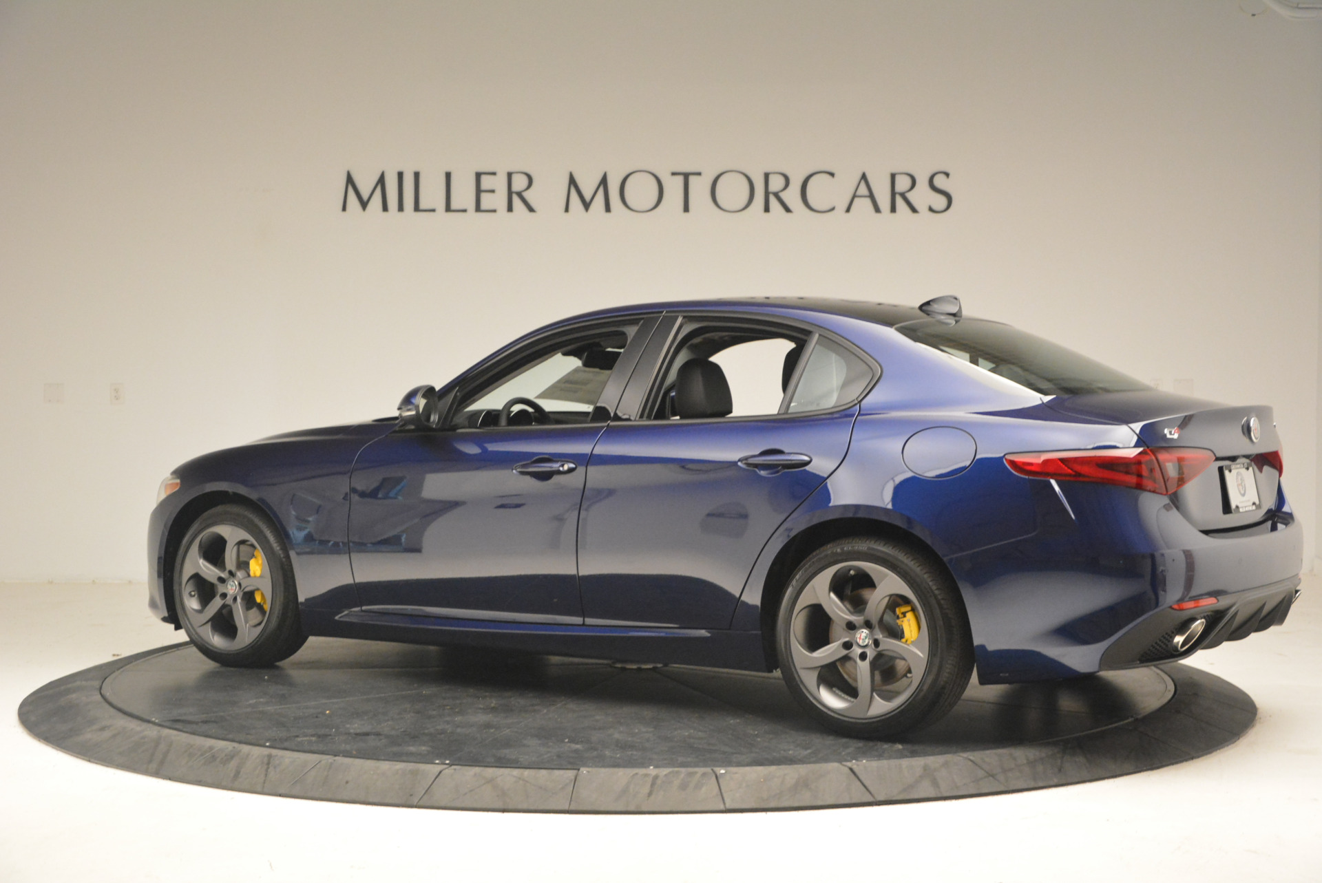 New 2017 Alfa Romeo Giulia Sport Q4 For Sale In Greenwich, CT. Alfa Romeo of Greenwich, L105 1237_p4
