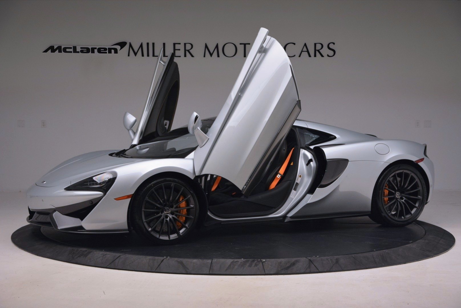 Used 2017 McLaren 570GT  For Sale In Greenwich, CT. Alfa Romeo of Greenwich, MC296 1254_p14