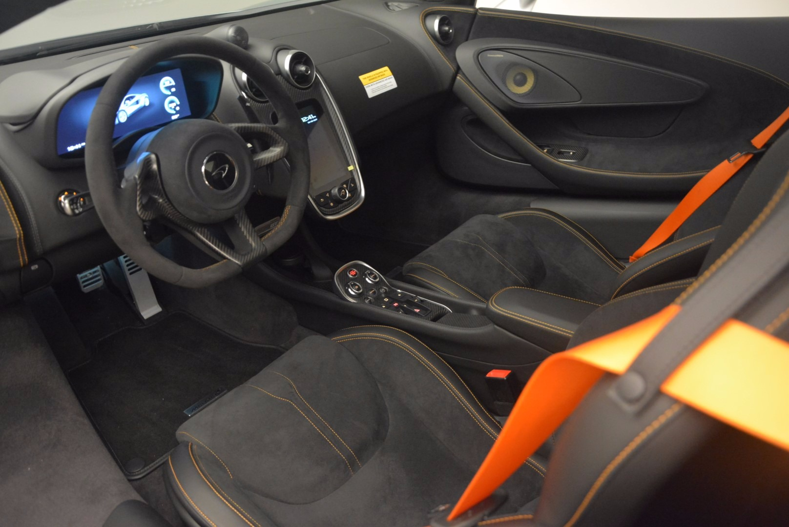 Used 2017 McLaren 570GT  For Sale In Greenwich, CT. Alfa Romeo of Greenwich, MC296 1254_p15
