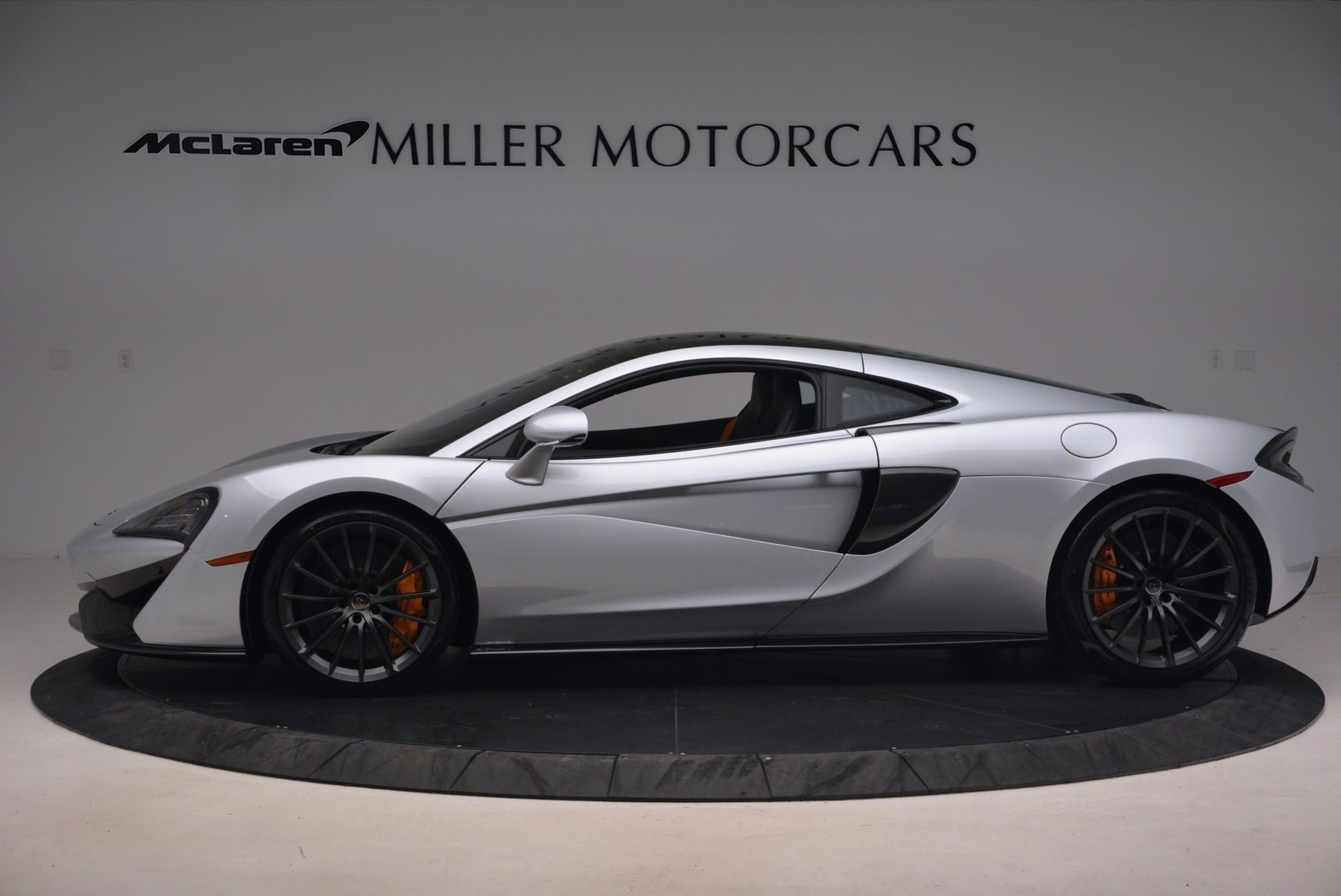Used 2017 McLaren 570GT  For Sale In Greenwich, CT. Alfa Romeo of Greenwich, MC296 1254_p3