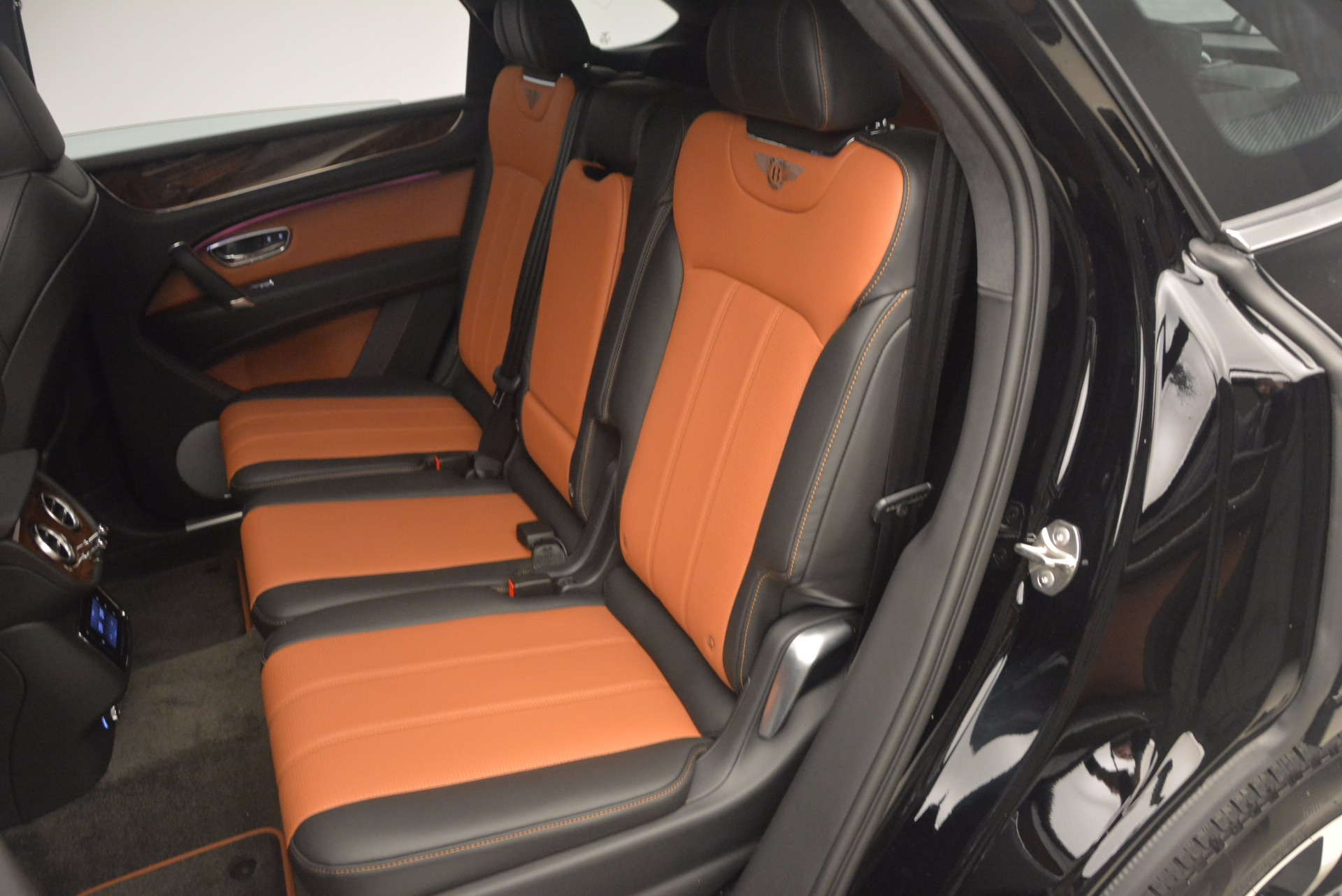 New 2018 Bentley Bentayga Activity Edition-Now with seating for 7!!! For Sale In Greenwich, CT. Alfa Romeo of Greenwich, B1257 1255_p31