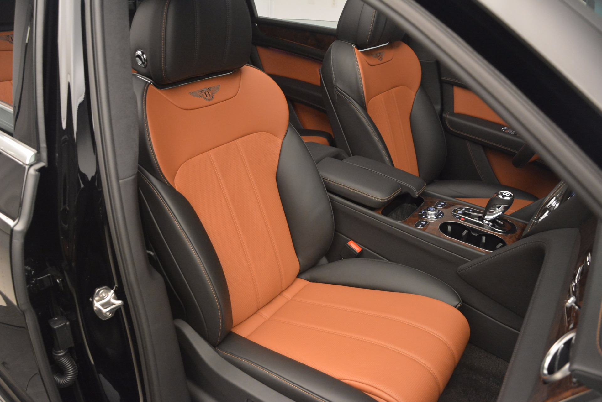 New 2018 Bentley Bentayga Activity Edition-Now with seating for 7!!! For Sale In Greenwich, CT. Alfa Romeo of Greenwich, B1257 1255_p40