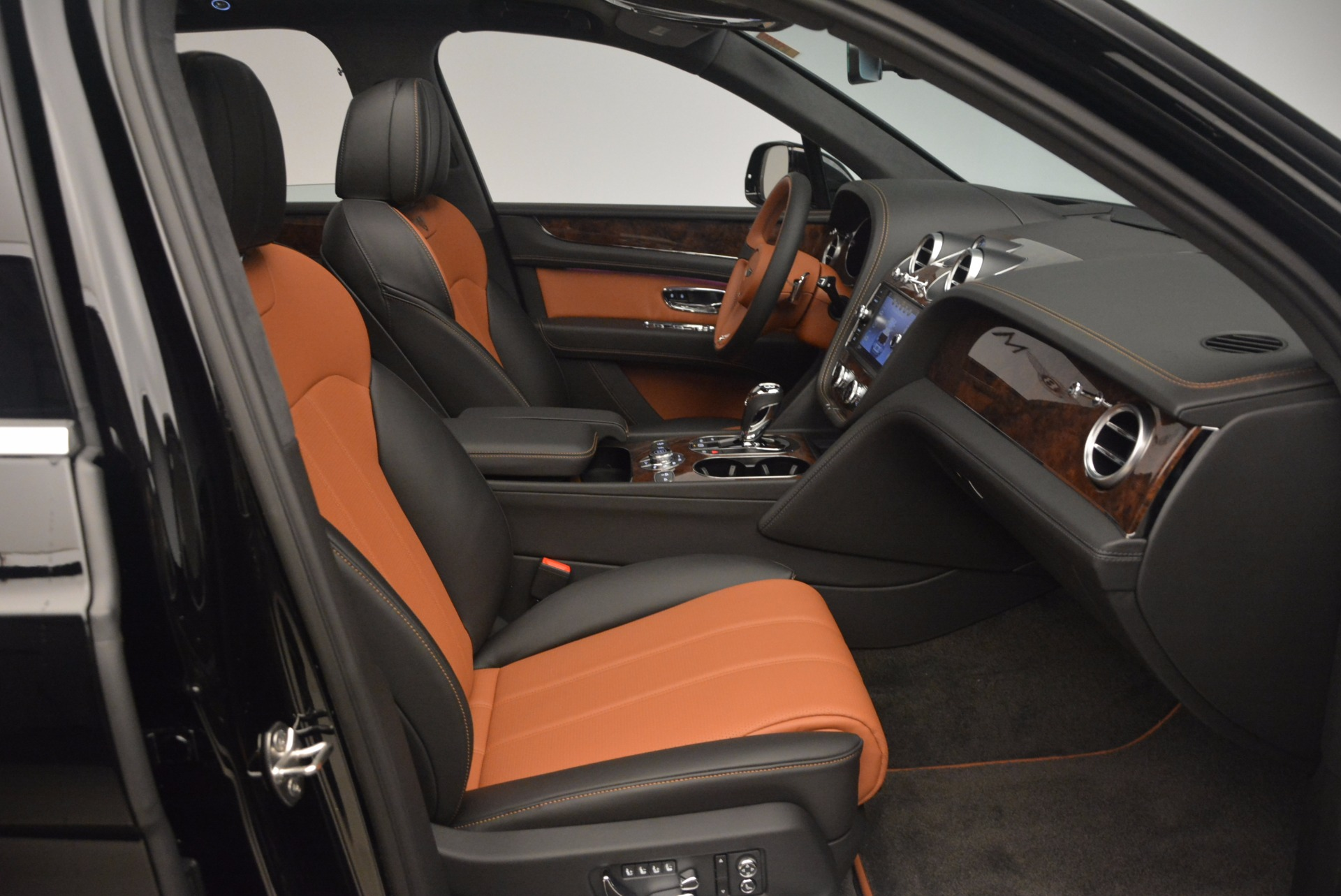 New 2018 Bentley Bentayga Activity Edition-Now with seating for 7!!! For Sale In Greenwich, CT. Alfa Romeo of Greenwich, B1257 1255_p41