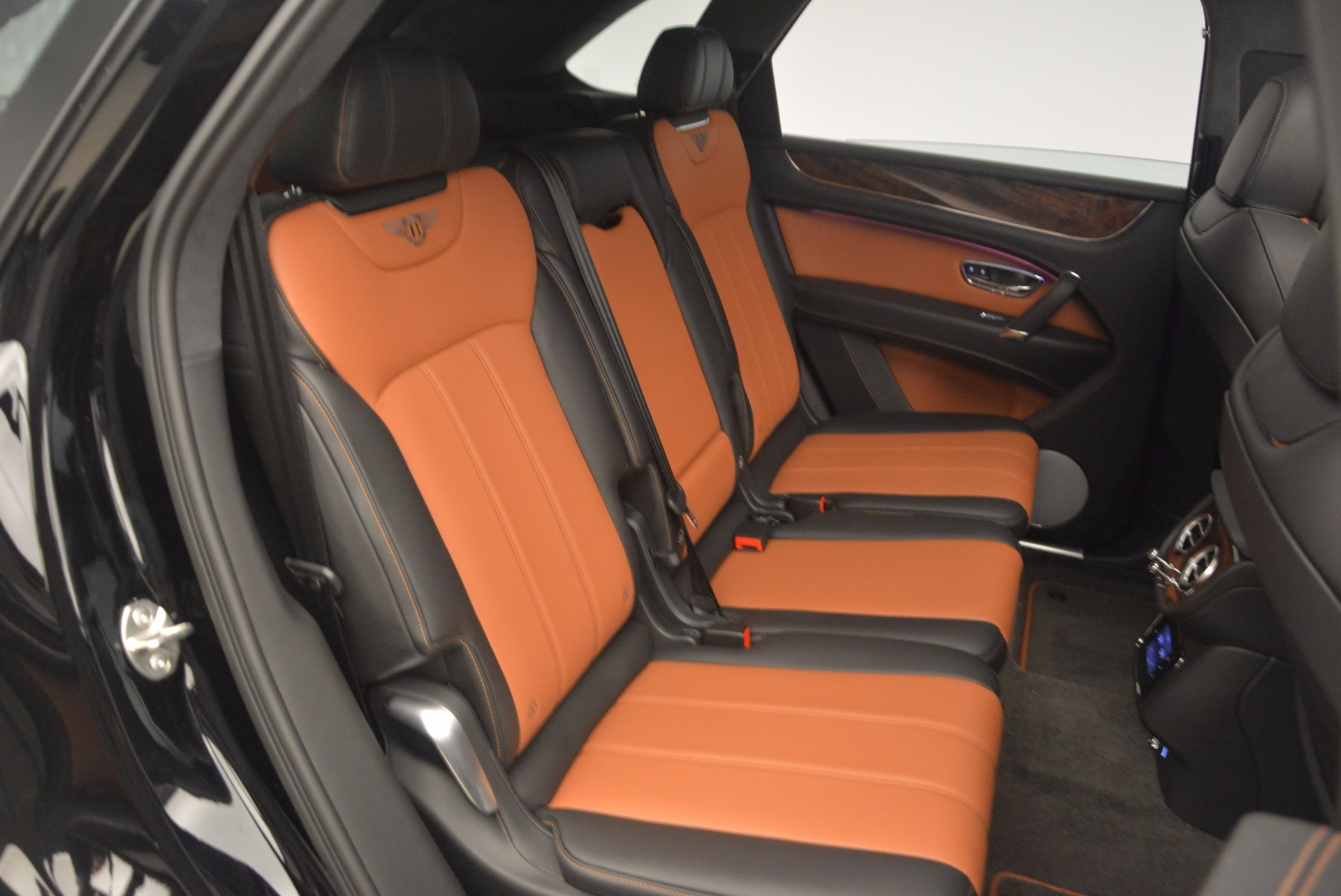 New 2018 Bentley Bentayga Activity Edition-Now with seating for 7!!! For Sale In Greenwich, CT. Alfa Romeo of Greenwich, B1257 1255_p47