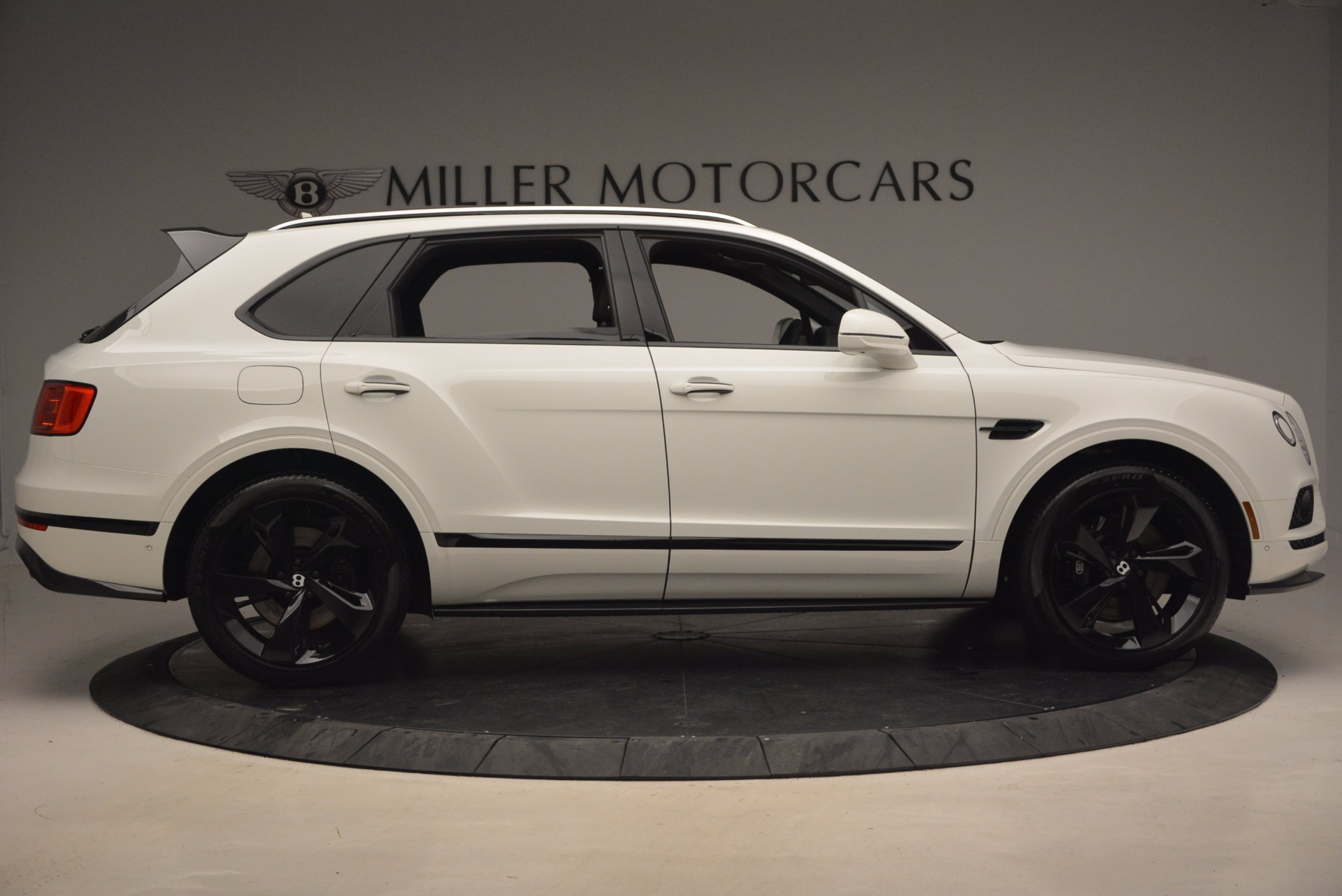 New 2018 Bentley Bentayga Black Edition For Sale In Greenwich, CT. Alfa Romeo of Greenwich, B1264 1260_p9