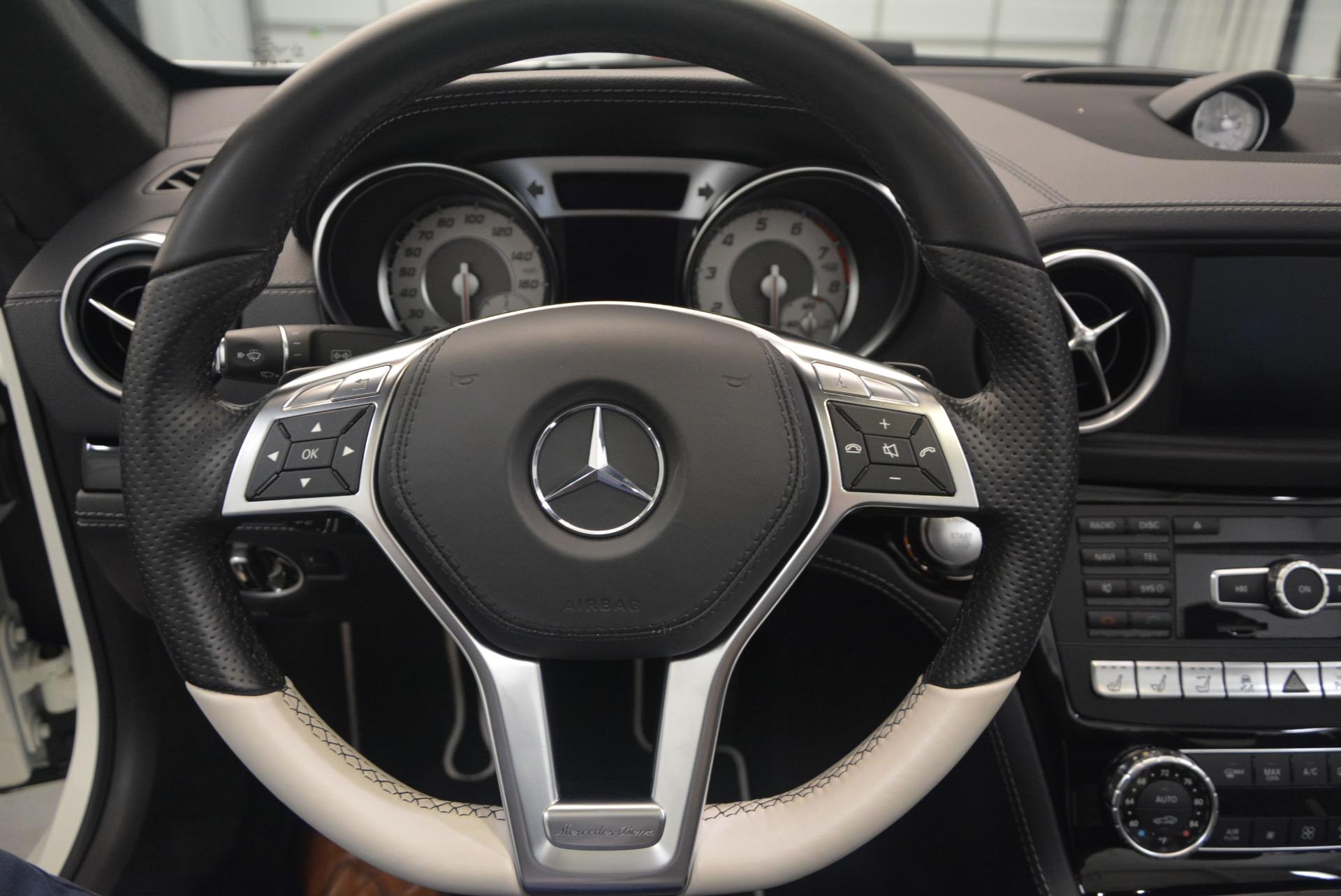 Used 2015 Mercedes Benz SL-Class SL 550 For Sale In Greenwich, CT. Alfa Romeo of Greenwich, M1874A 1261_p33