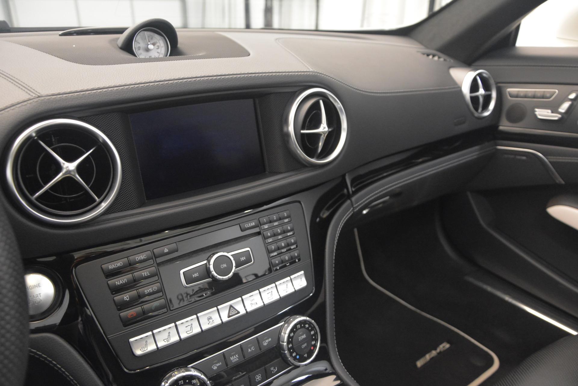 Used 2015 Mercedes Benz SL-Class SL 550 For Sale In Greenwich, CT. Alfa Romeo of Greenwich, M1874A 1261_p34
