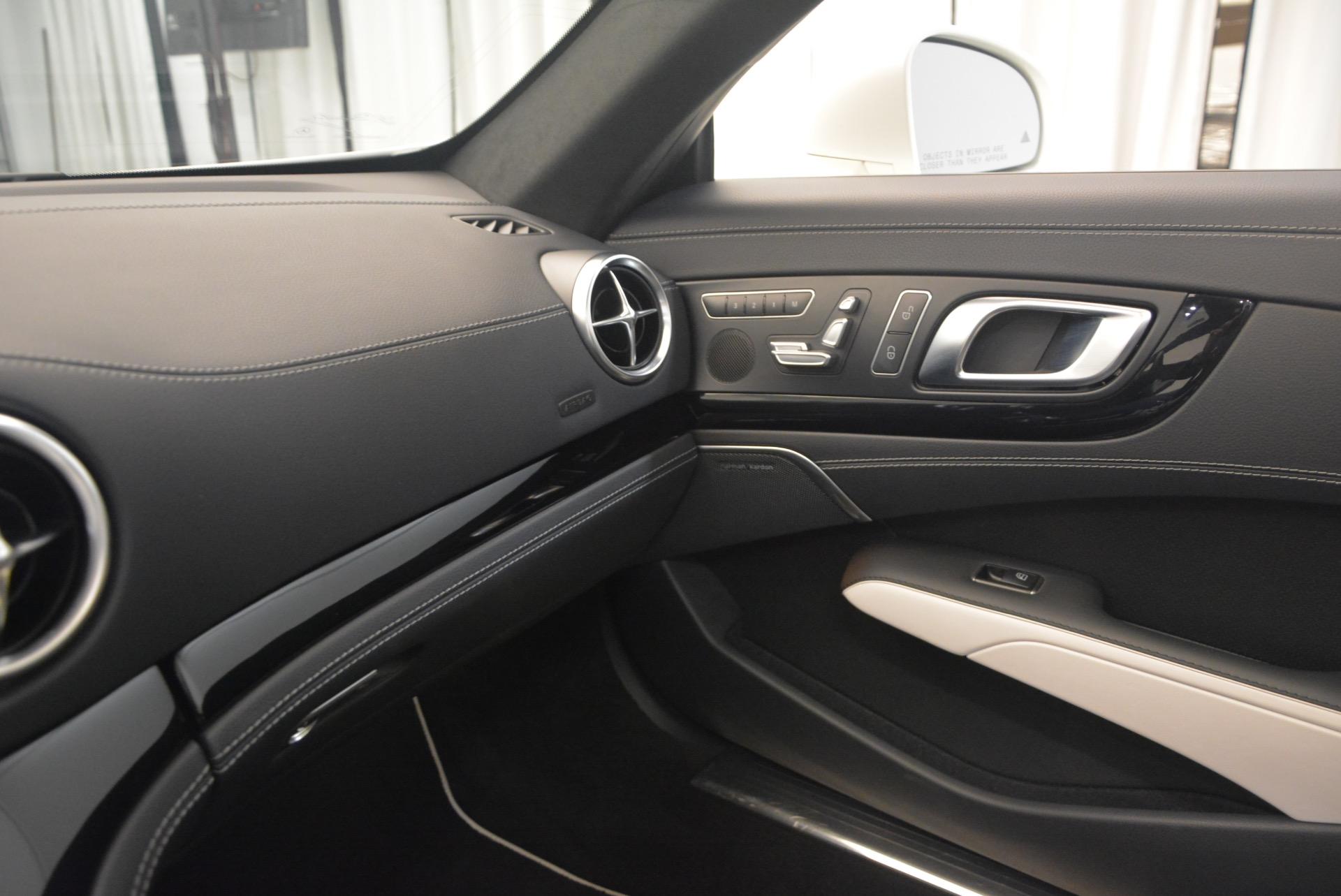 Used 2015 Mercedes Benz SL-Class SL 550 For Sale In Greenwich, CT. Alfa Romeo of Greenwich, M1874A 1261_p36