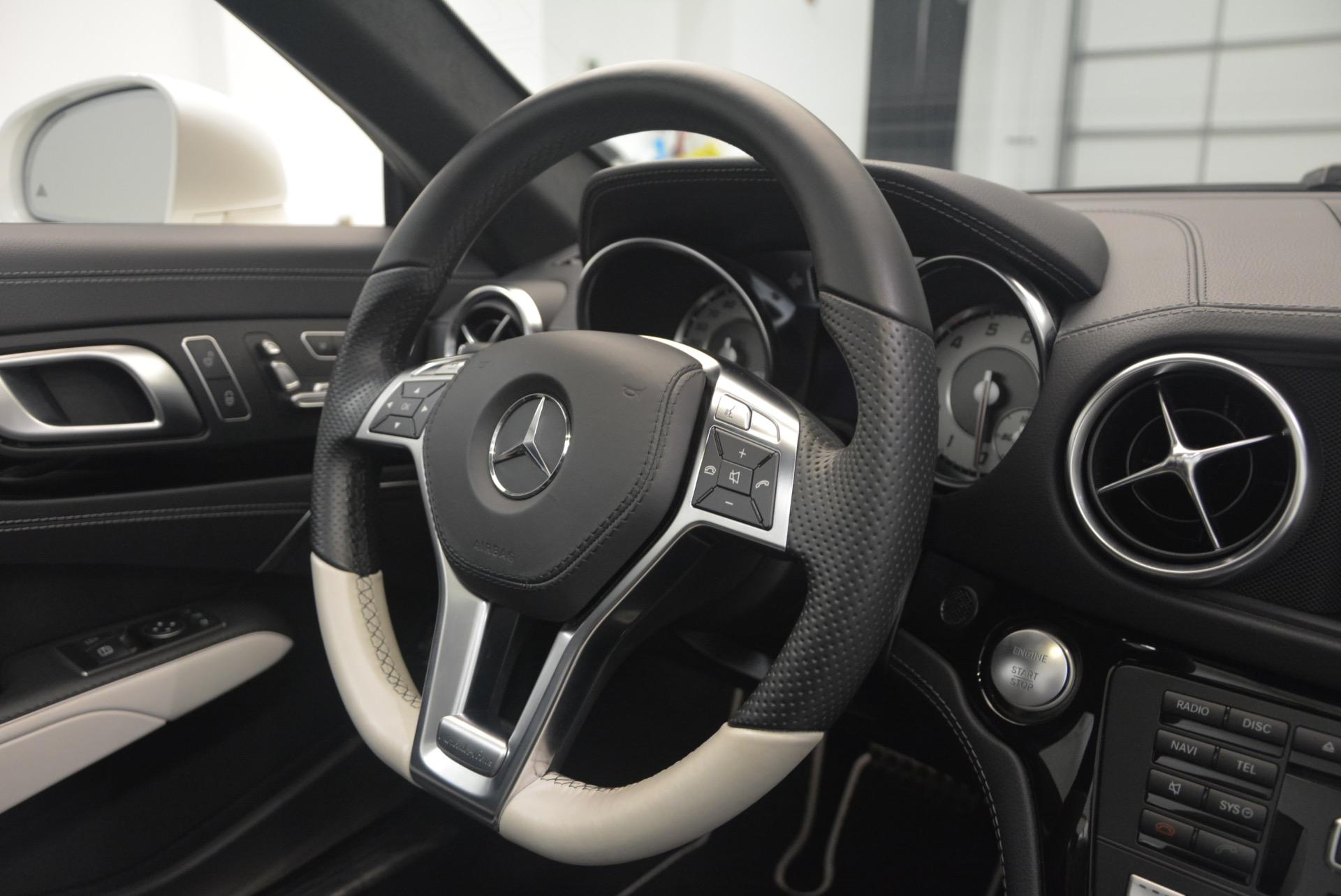 Used 2015 Mercedes Benz SL-Class SL 550 For Sale In Greenwich, CT. Alfa Romeo of Greenwich, M1874A 1261_p47