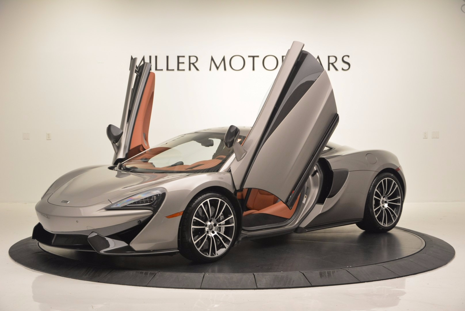 Used 2016 McLaren 570S  For Sale In Greenwich, CT. Alfa Romeo of Greenwich, MC261A 1267_p14