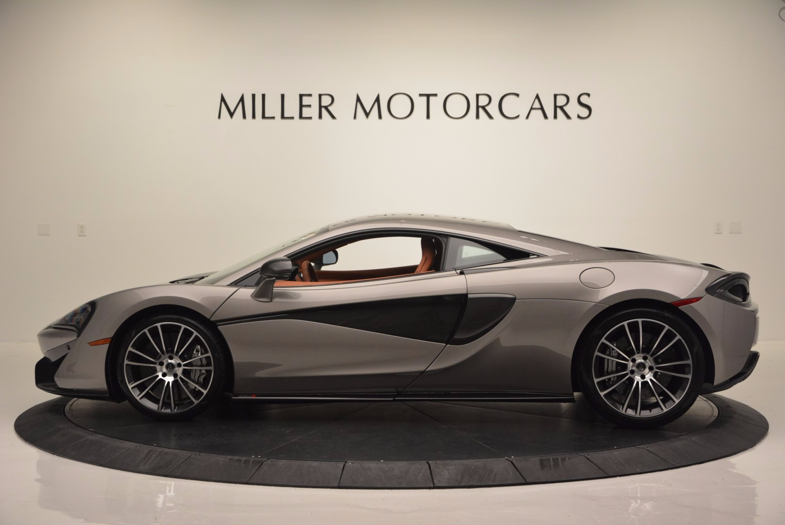 Used 2016 McLaren 570S  For Sale In Greenwich, CT. Alfa Romeo of Greenwich, MC261A 1267_p3