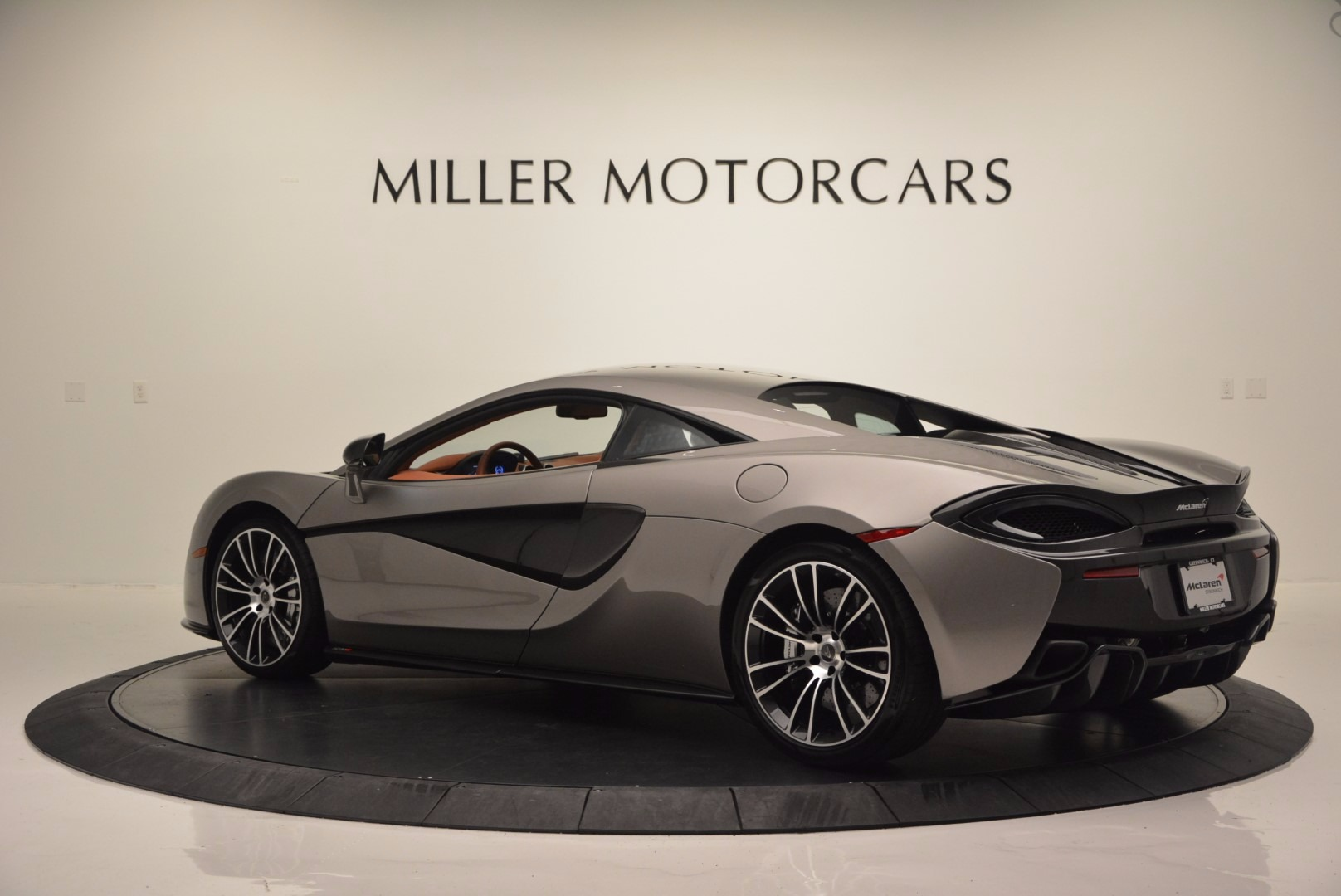 Used 2016 McLaren 570S  For Sale In Greenwich, CT. Alfa Romeo of Greenwich, MC261A 1267_p4