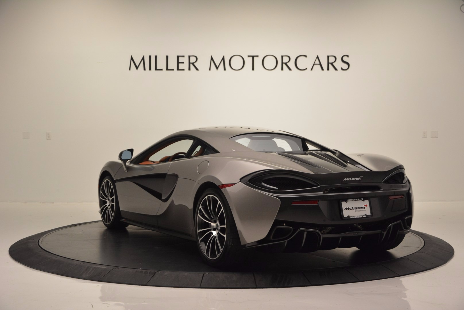 Used 2016 McLaren 570S  For Sale In Greenwich, CT. Alfa Romeo of Greenwich, MC261A 1267_p5